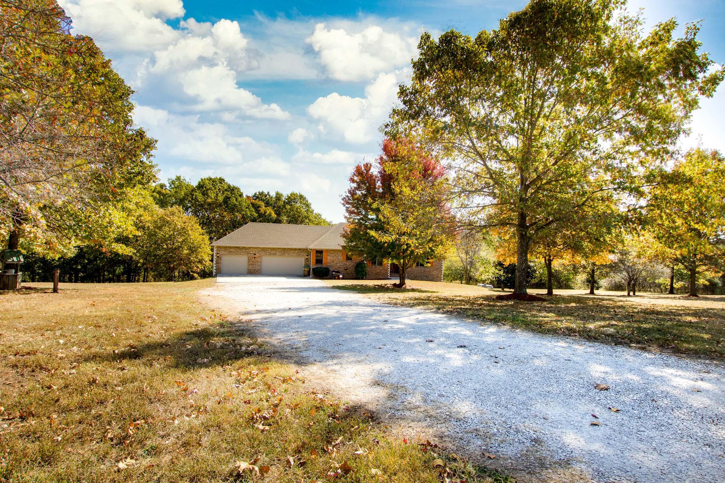 3874 North Farm Rd 79 Willard, MO 65781