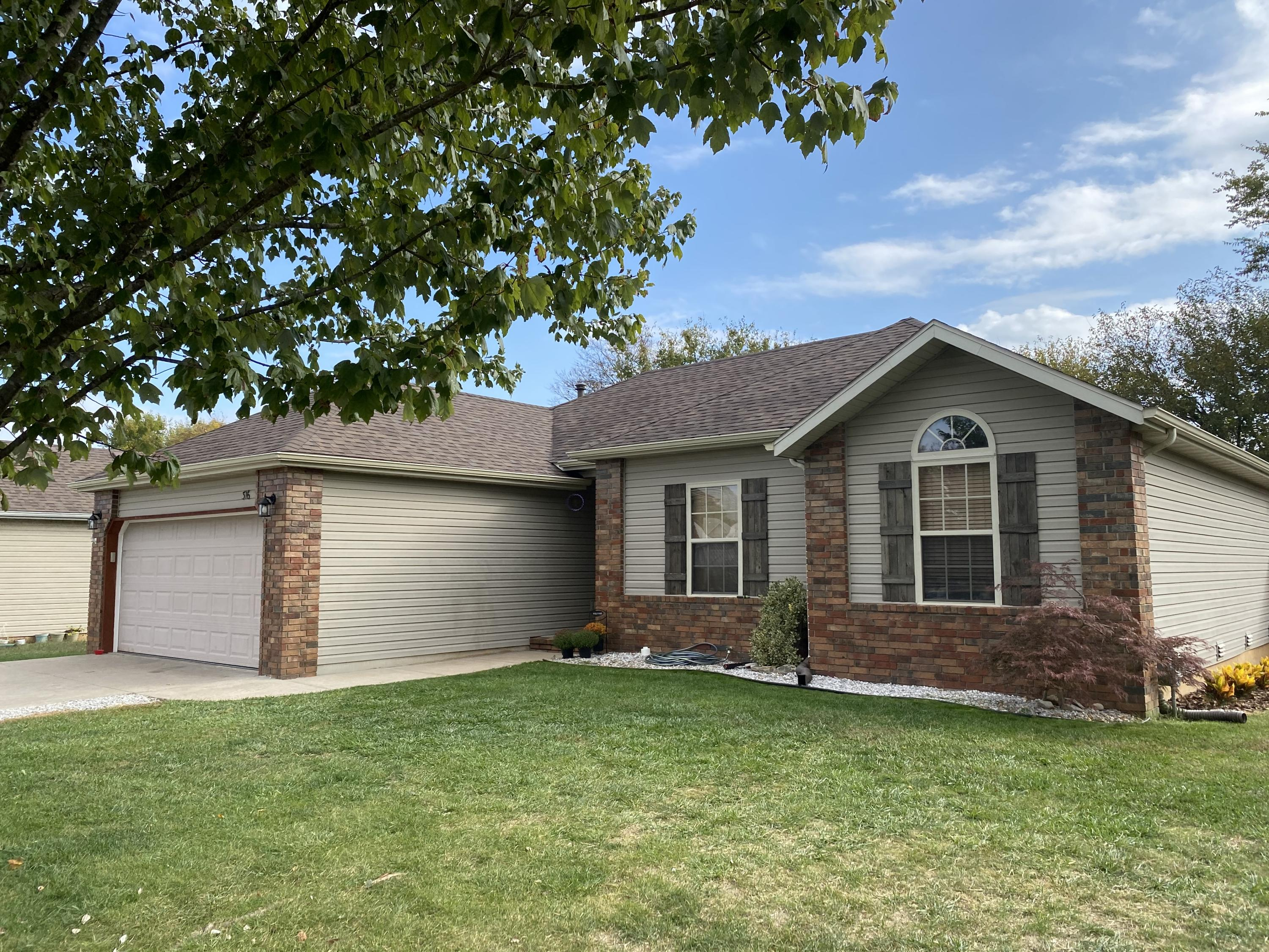 316 North Cherokee Trail Clever, MO 65631