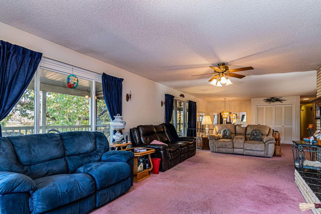 457 Virgin Bluff Drive Galena, MO 65656