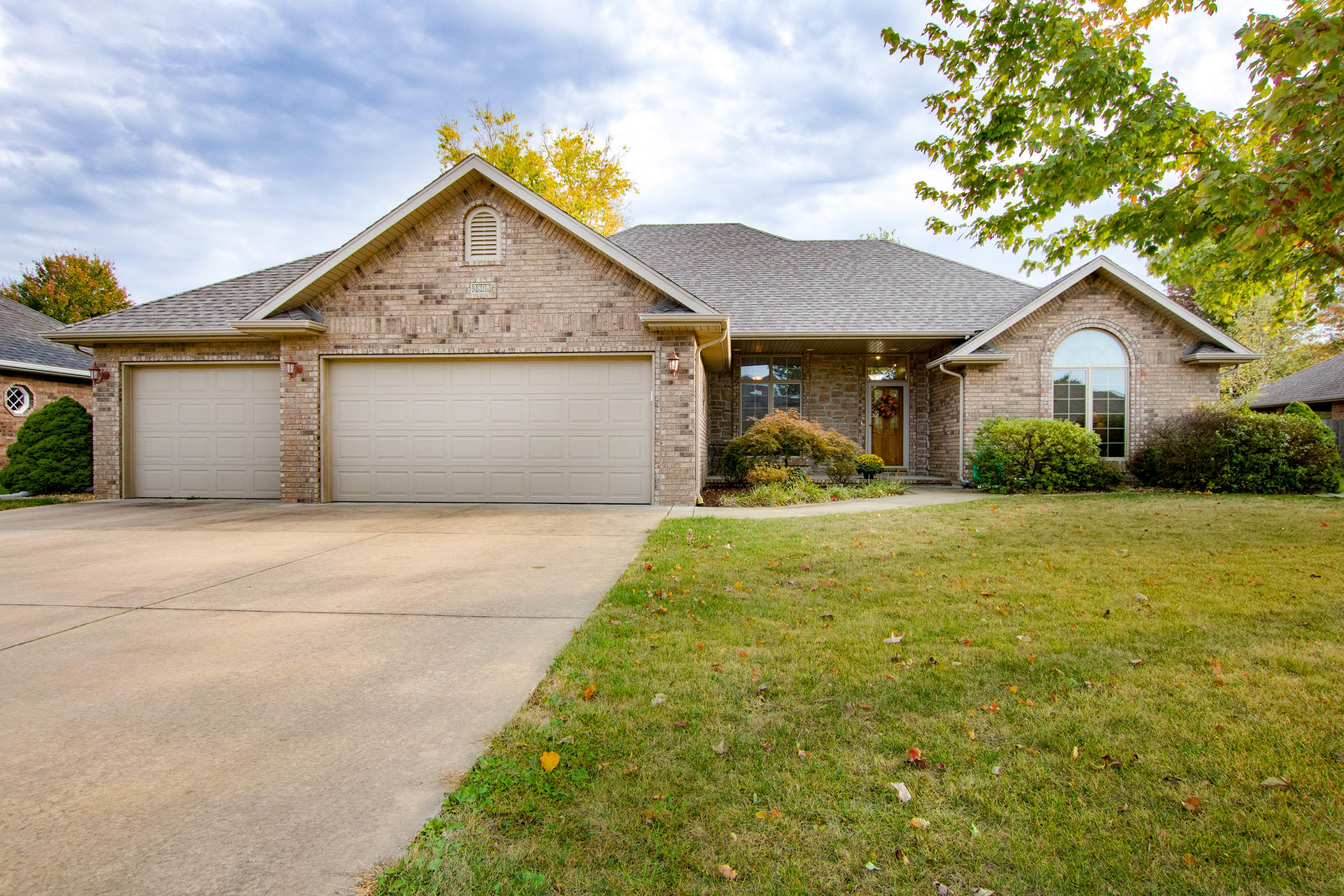 3808 West April Street Battlefield, MO 65619
