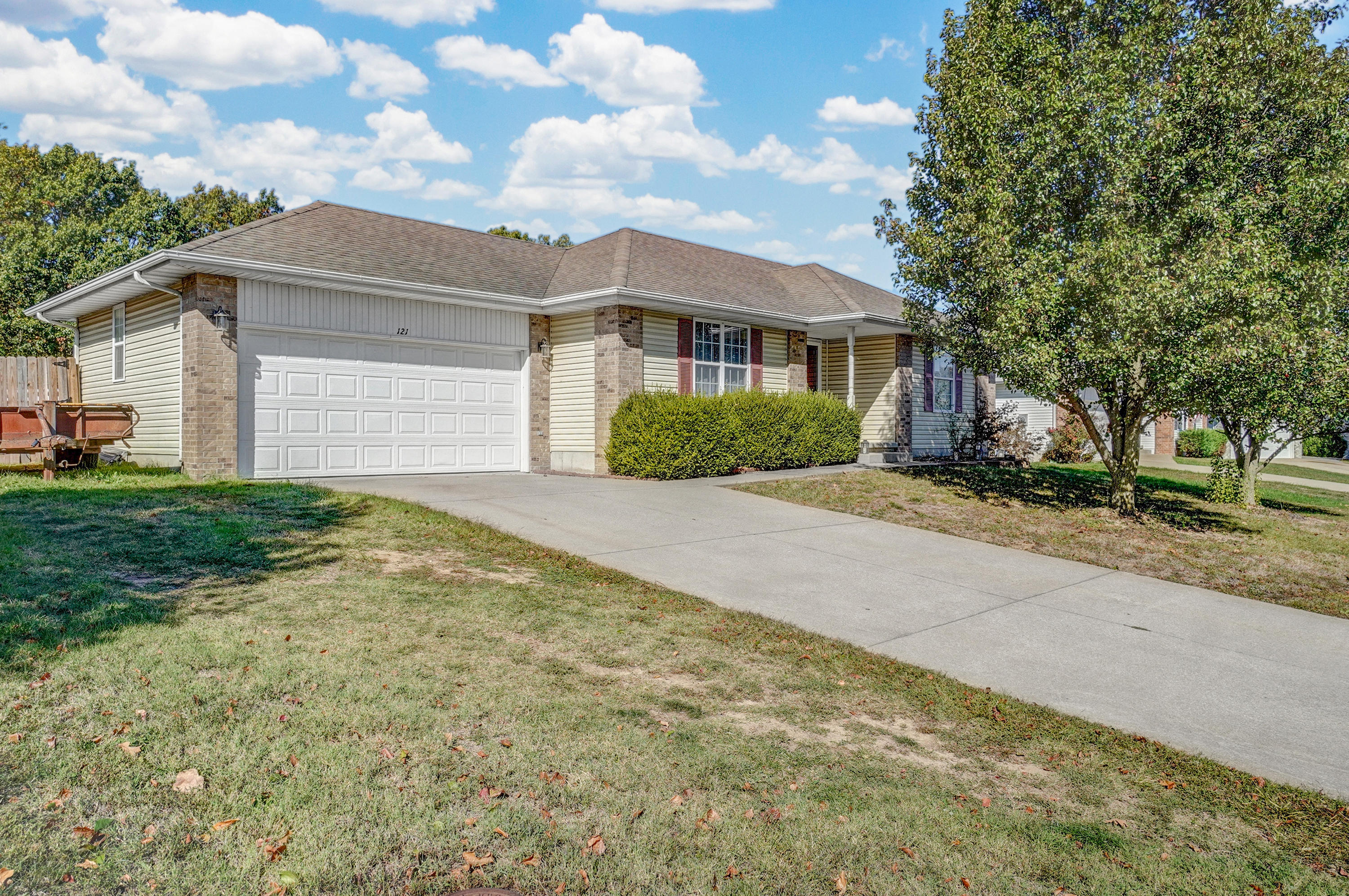121 Carter Court Clever, MO 65631