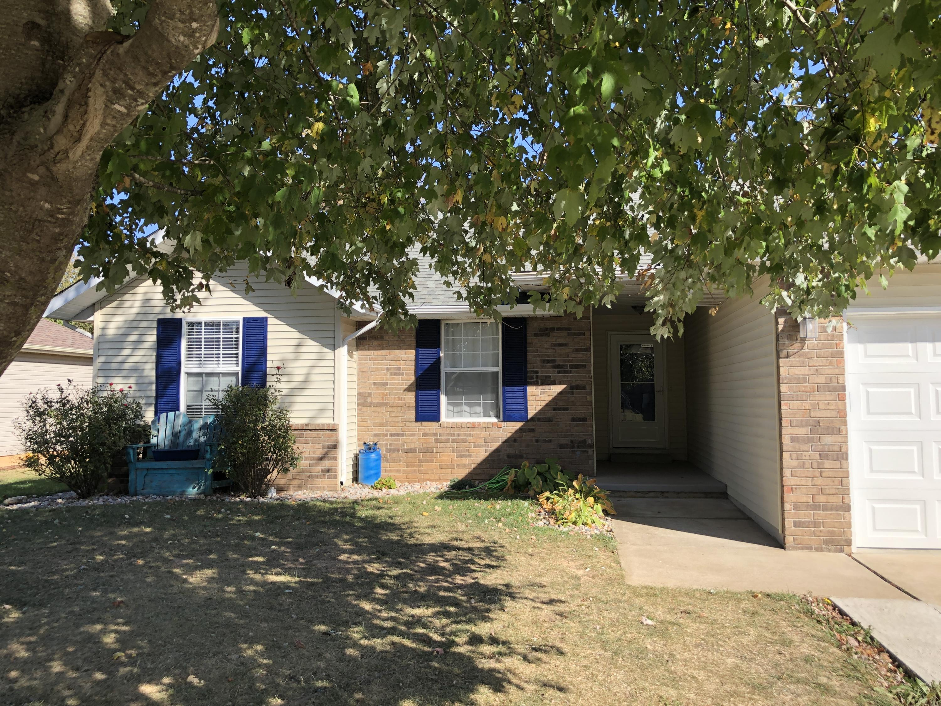 314 North Cherokee Trail Clever, MO 65631