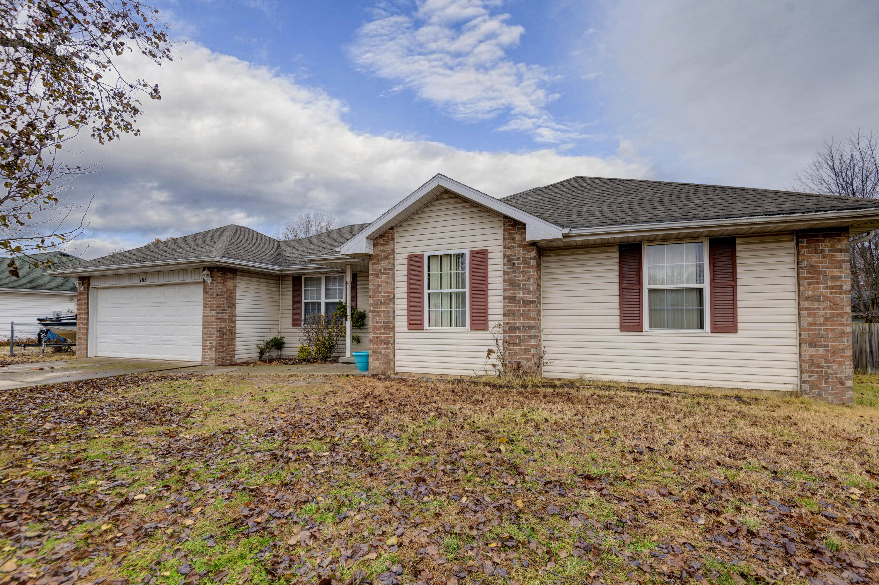 107 West Nola Drive Clever, MO 65631