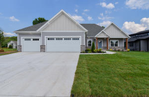 715 South Thornridge Drive, Springfield, MO 65809