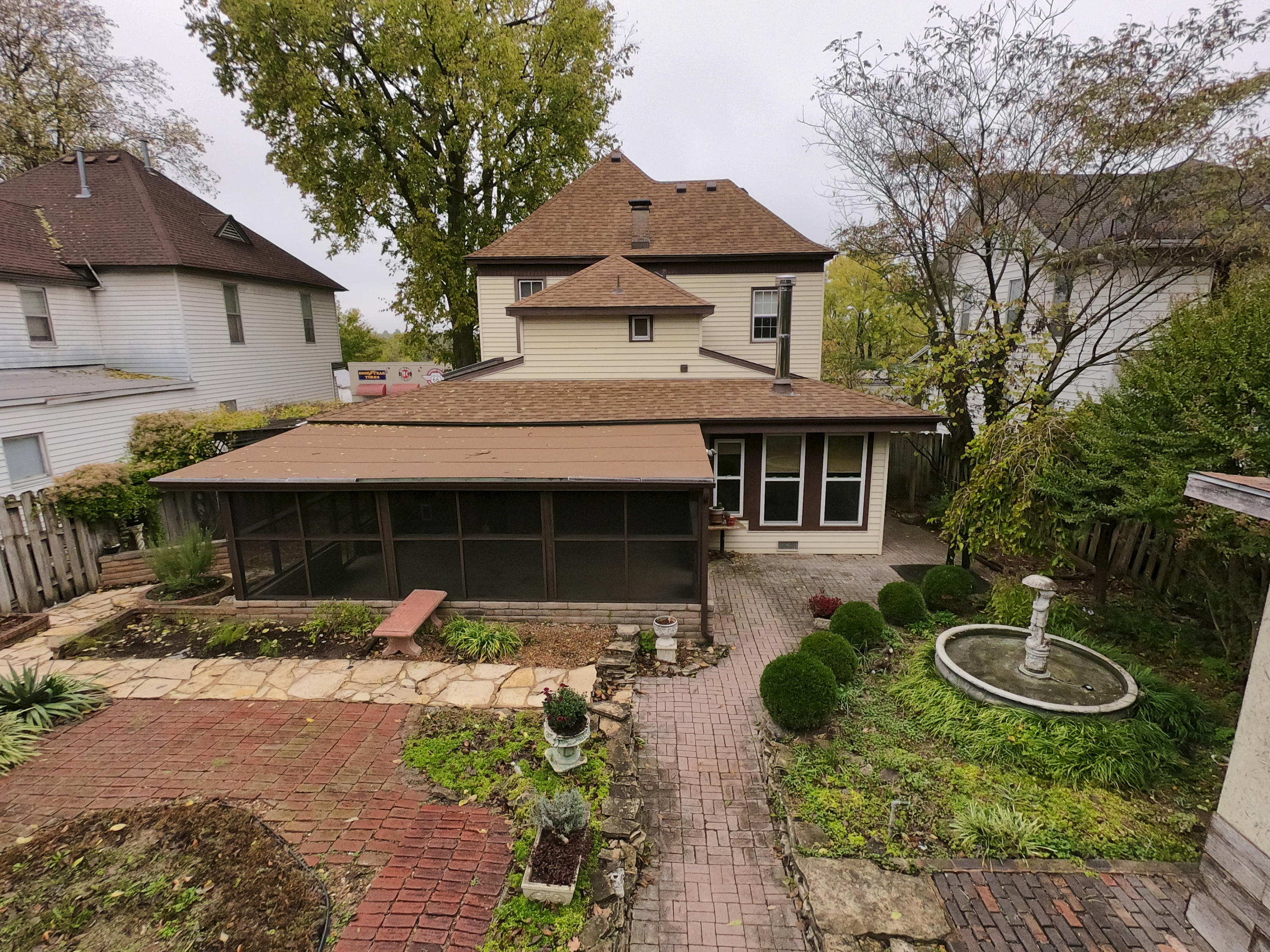 1024 West College Street Springfield, MO 65806