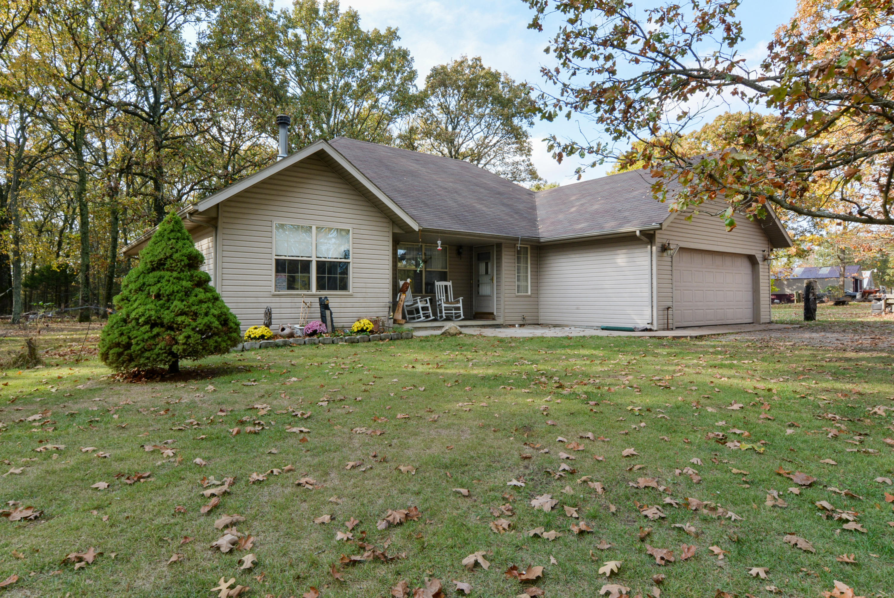 6569 South State Highway Vv Rogersville, MO 65742