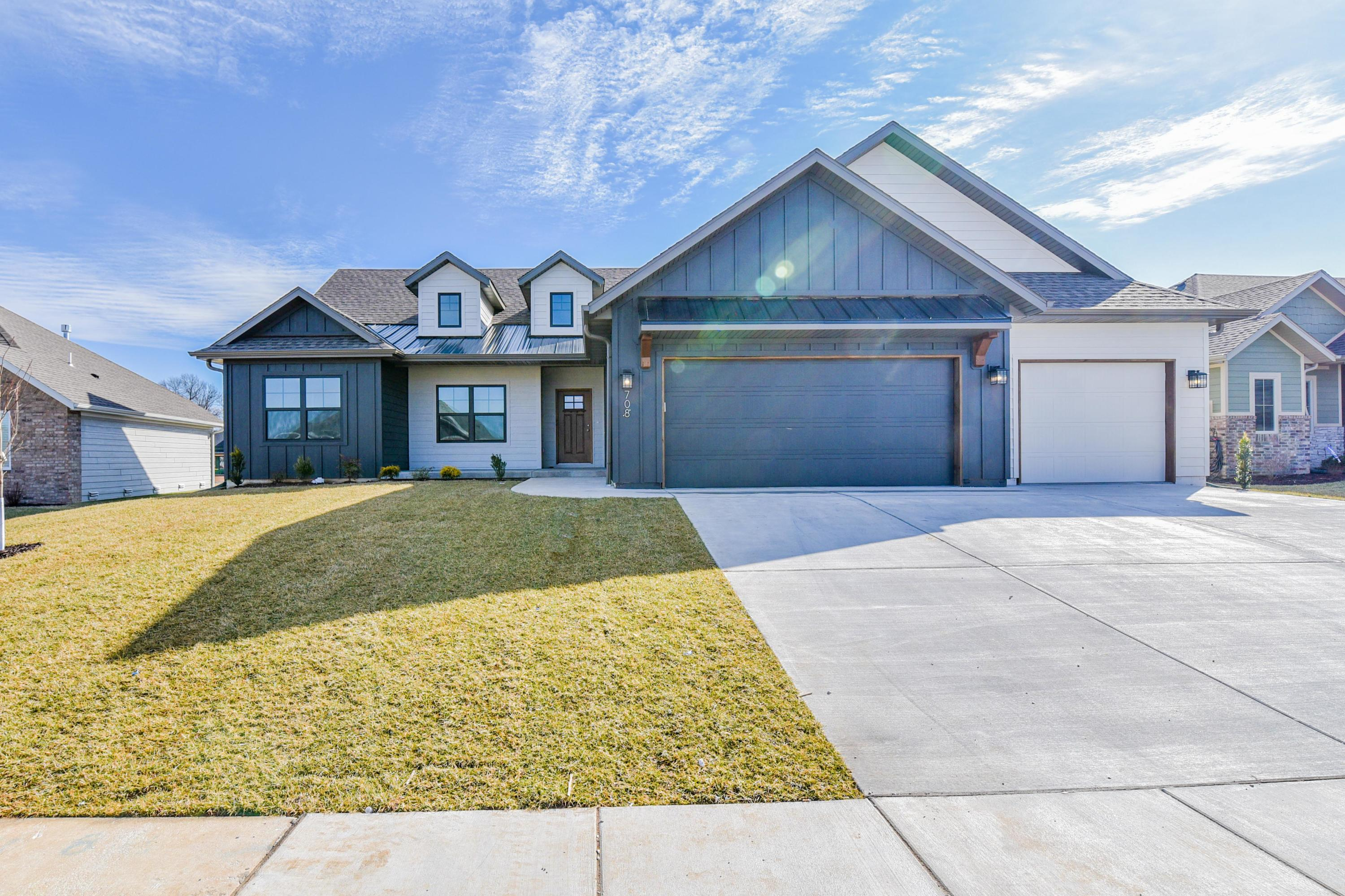 4717 East Forest Trails Drive Springfield, MO 65809
