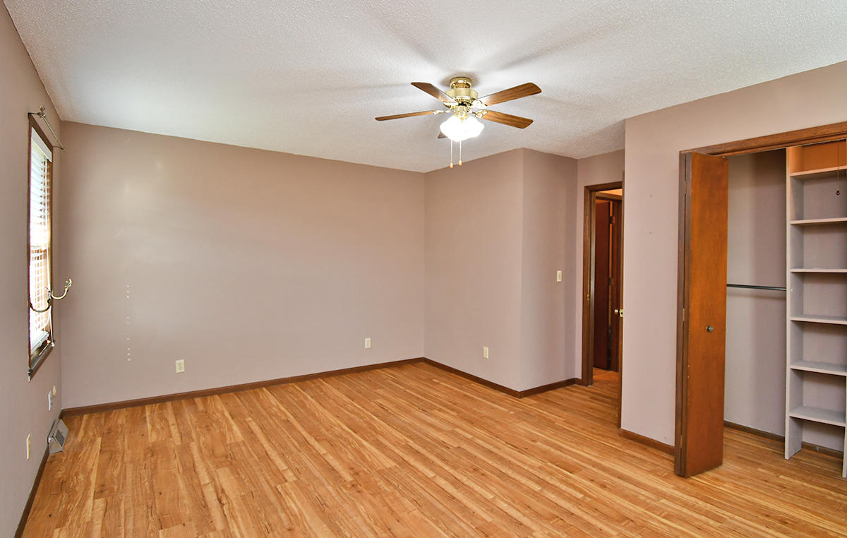 2964 East Ridgeview Street Springfield, MO 65804