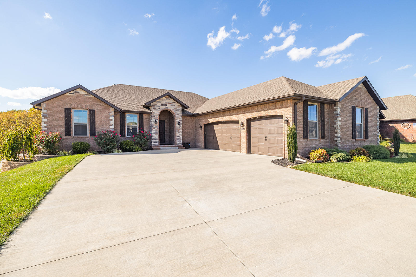 5825 South Cottonwood Drive Battlefield, MO 65619