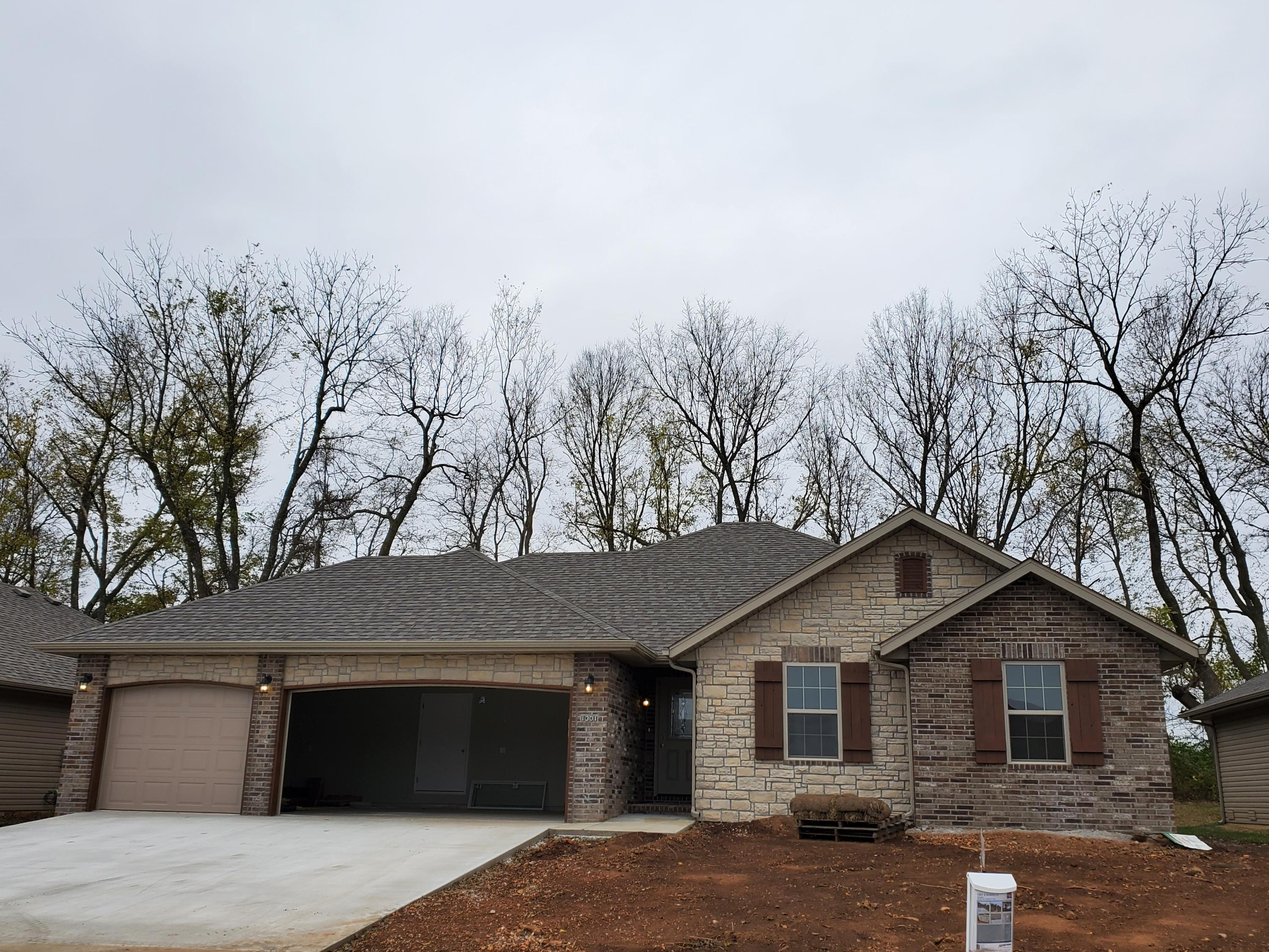 1301 South Mulberry Lane Springfield, MO 65802
