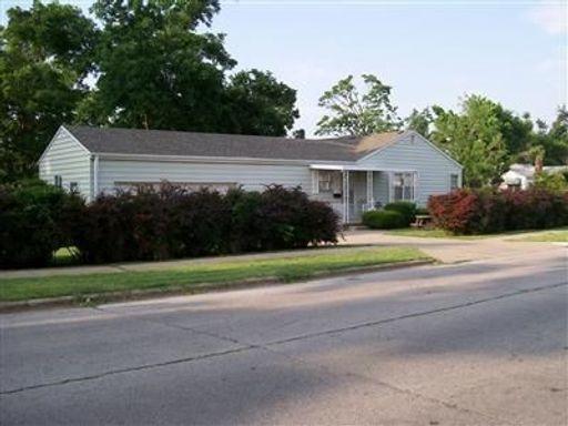 1561 South Pcikwick Avenue Springfield, MO 65804
