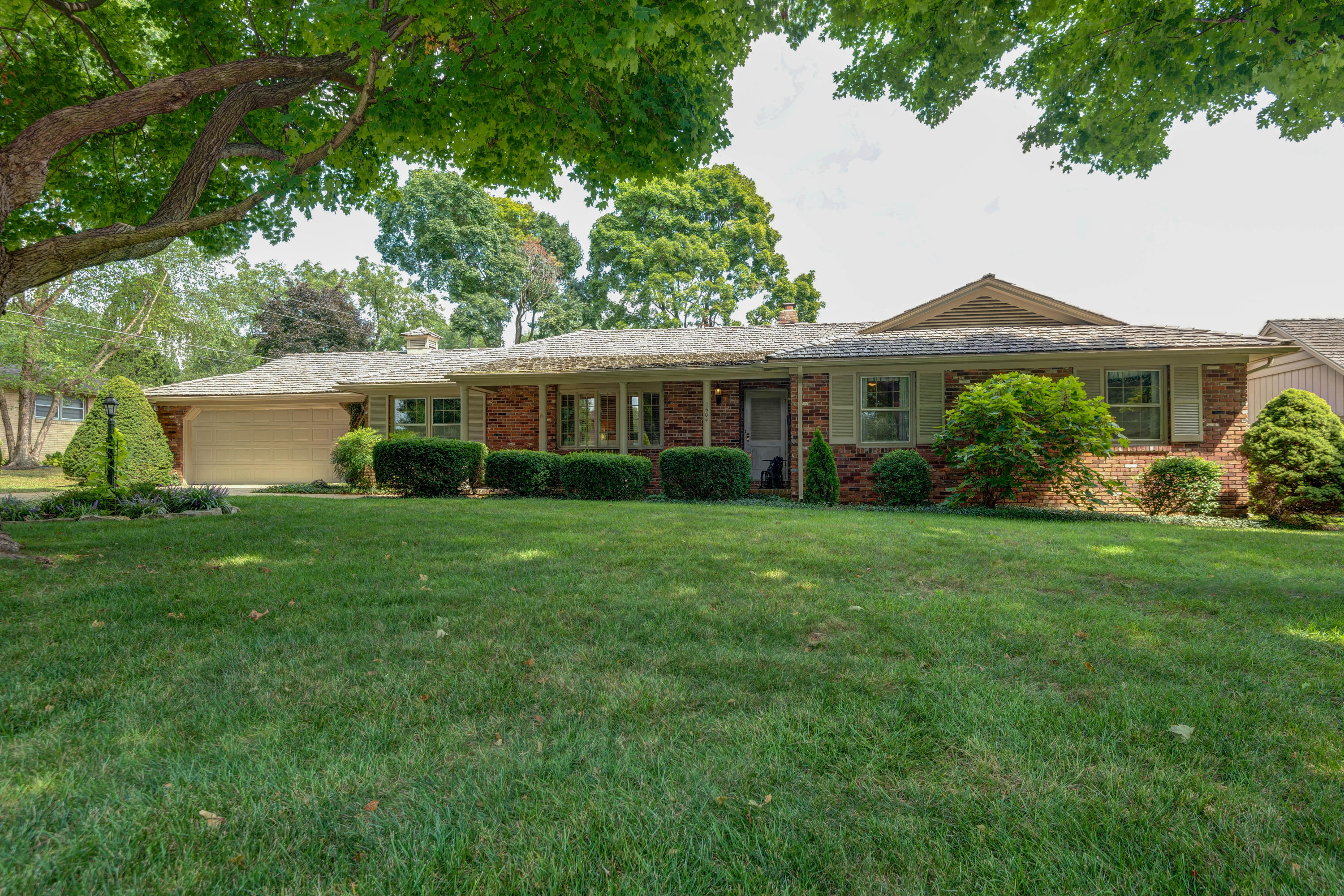 2604 South Inglewood Road Springfield, MO 65804