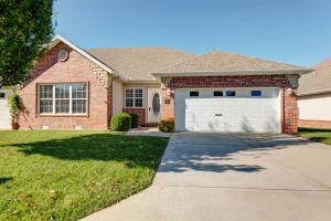 1360 North Sandy Creek Circle, 4, Nixa, MO 65714