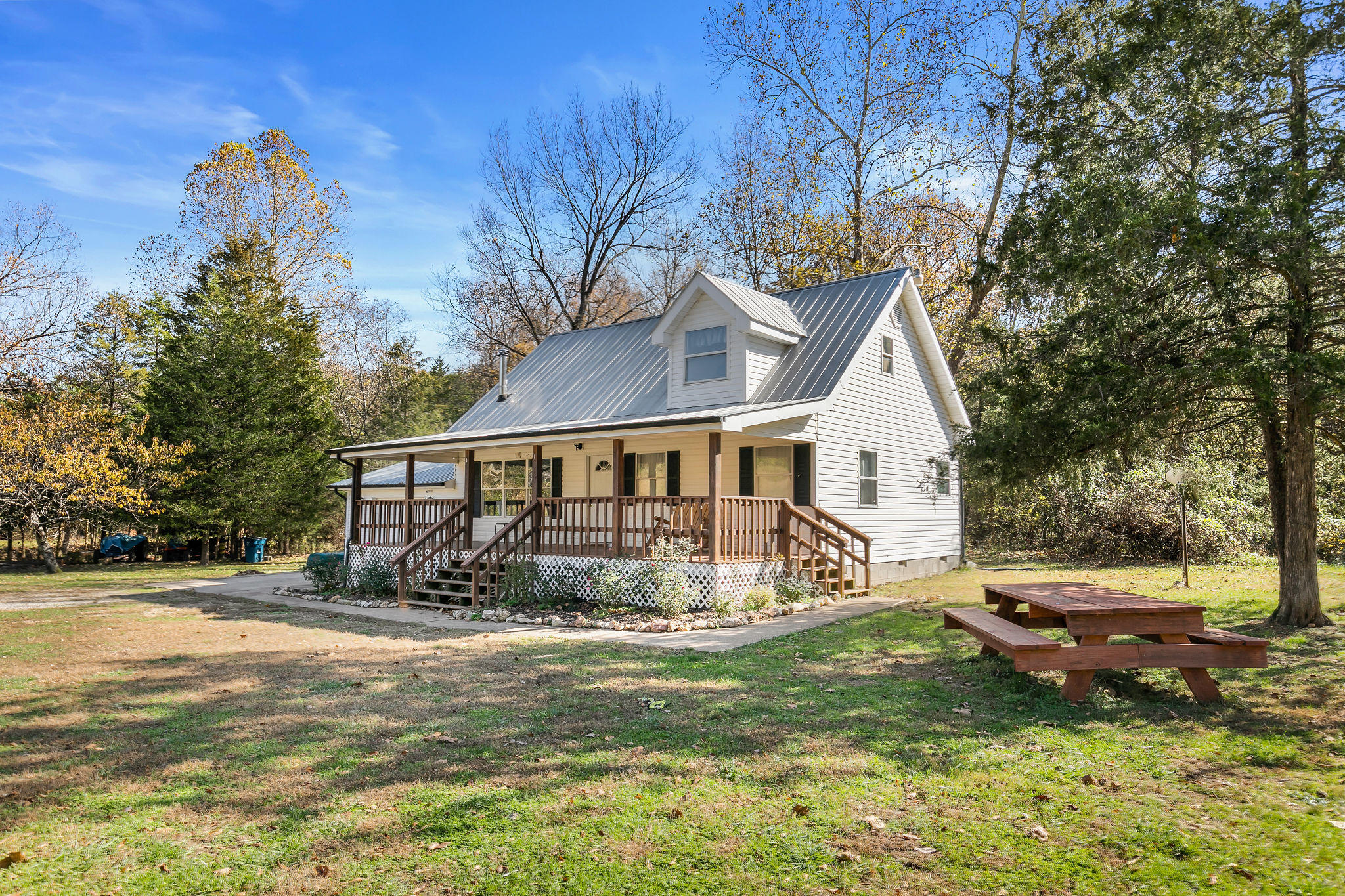 28317 Farm Road Golden, MO 65658