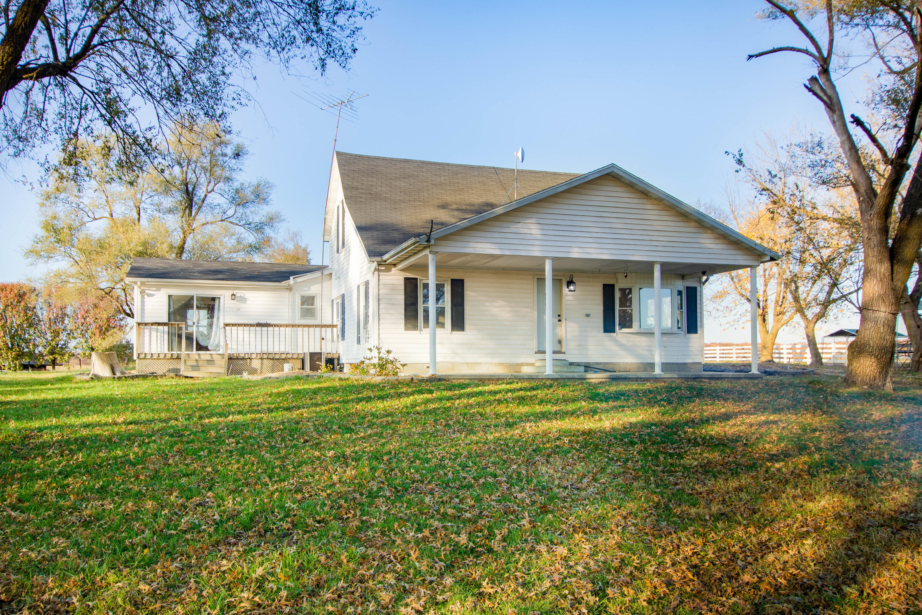 635 East 430th Road Bolivar, MO 65613