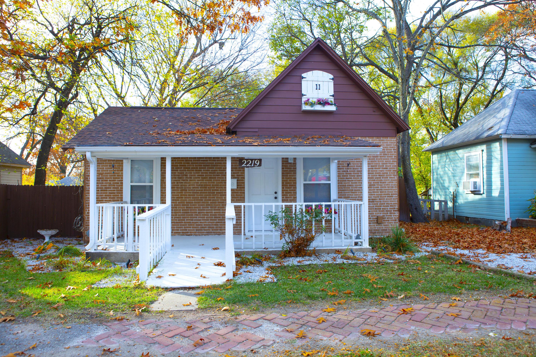 2219 North Howard Avenue Springfield, MO 65803