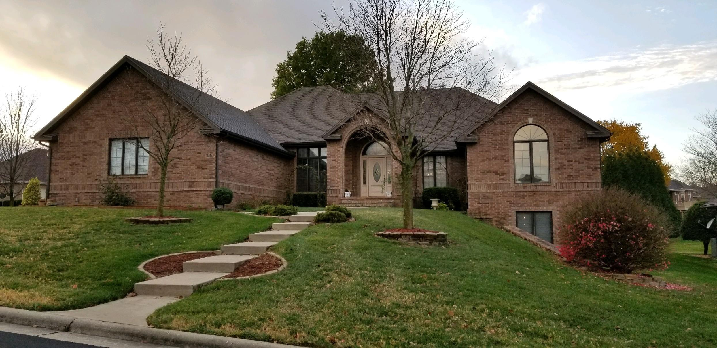 1259 North Yarberry Avenue Springfield, MO 65802