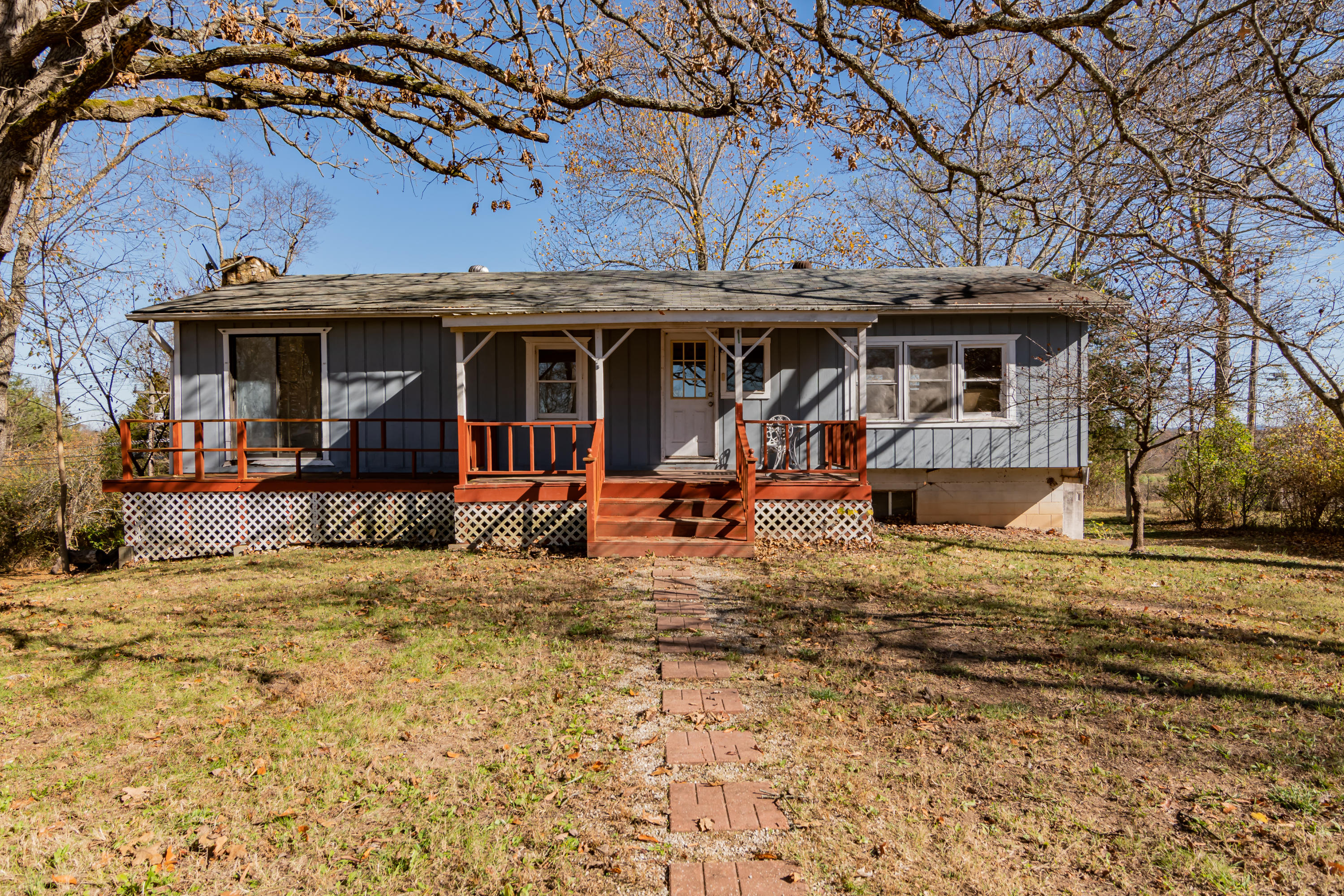 9734 East State Highway Forsyth, MO 65653