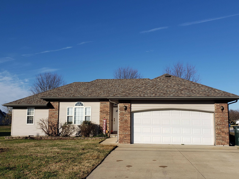 725 South White Oak Road, Marshfield, Missouri 65706