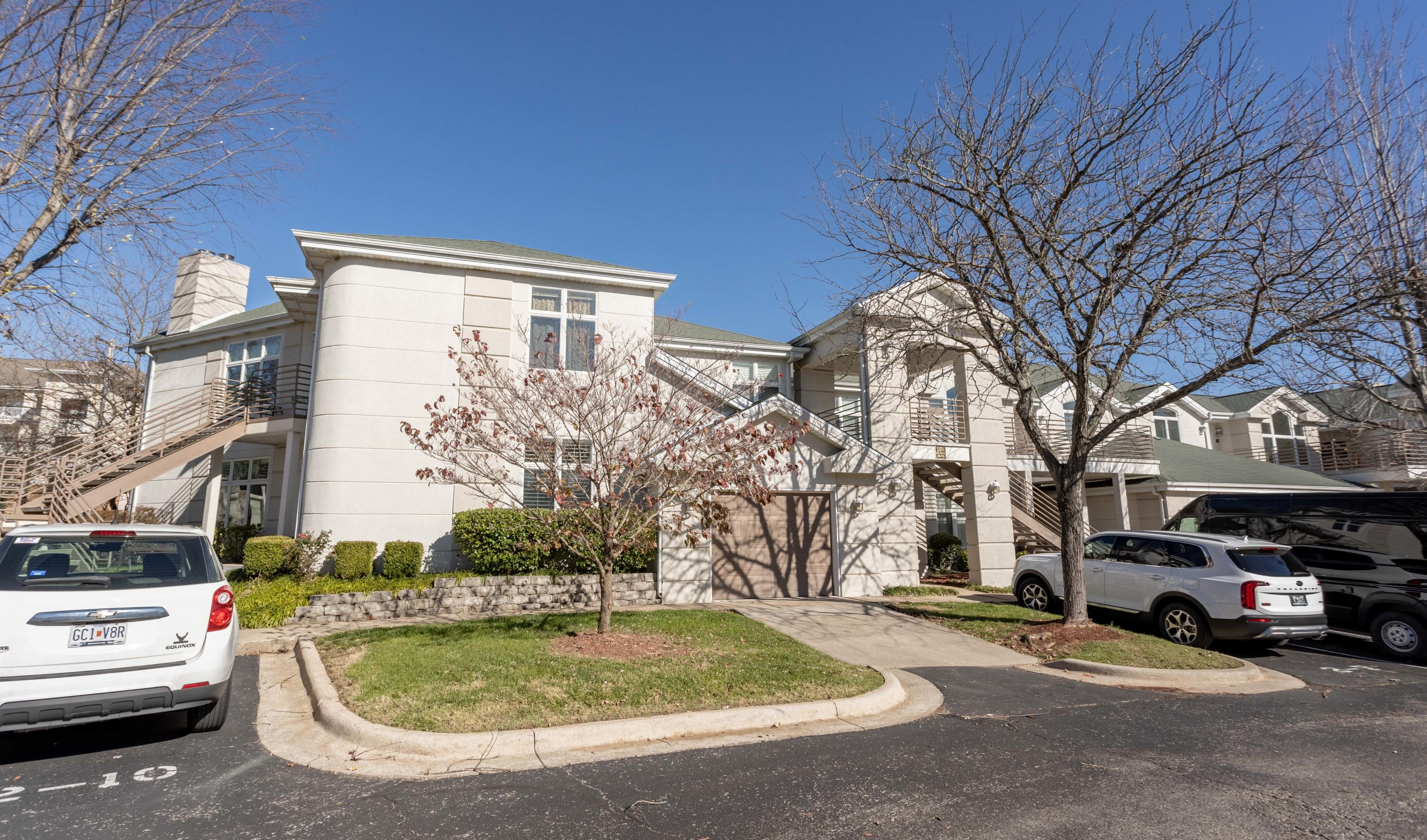 105 Oxford Drive UNIT #2 Branson, MO 65615
