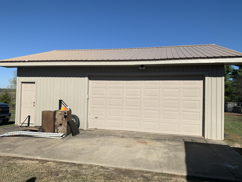 2525 West Heritage Drive Ozark, MO 65721