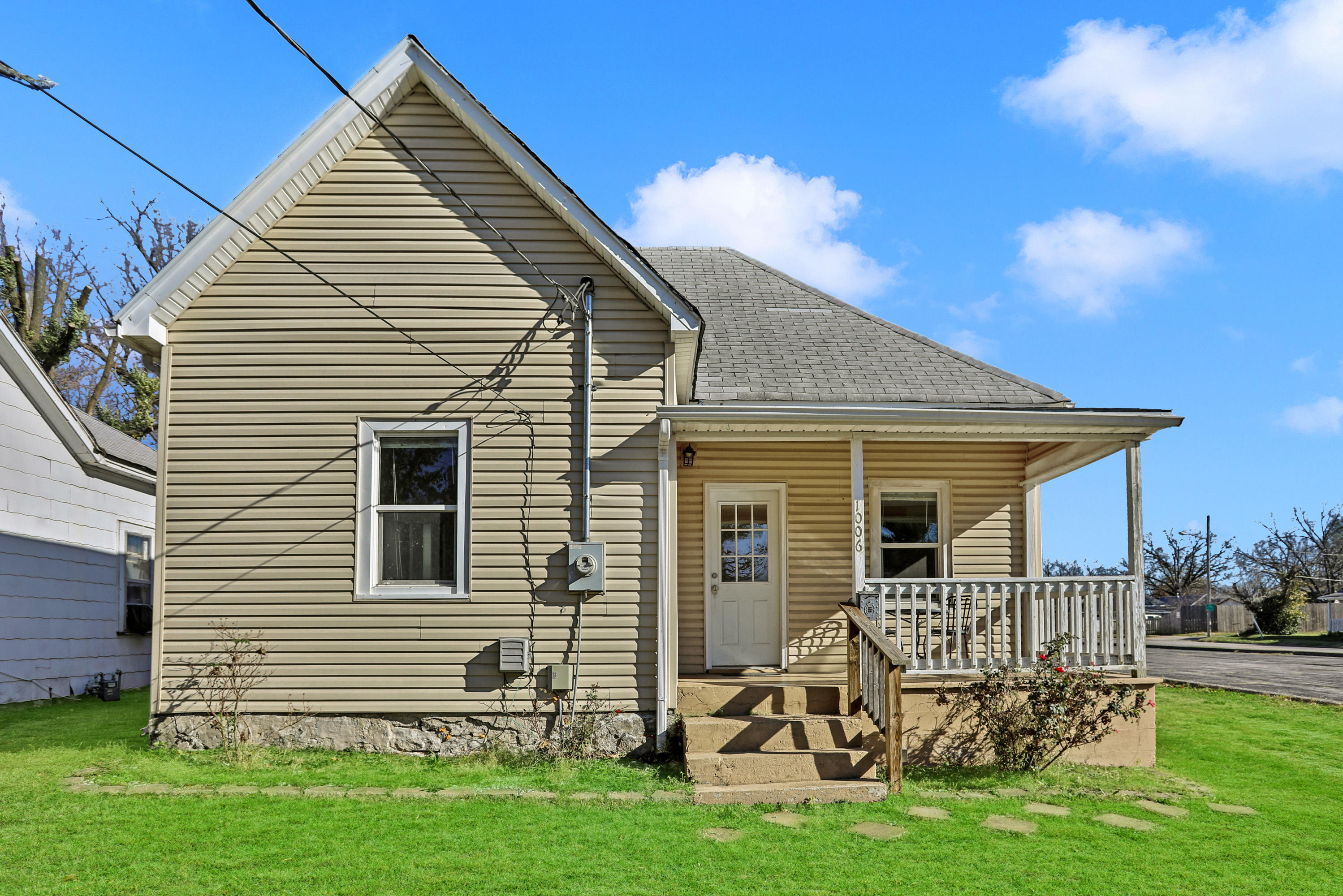 1006 North Prospect Avenue Springfield, MO 65802