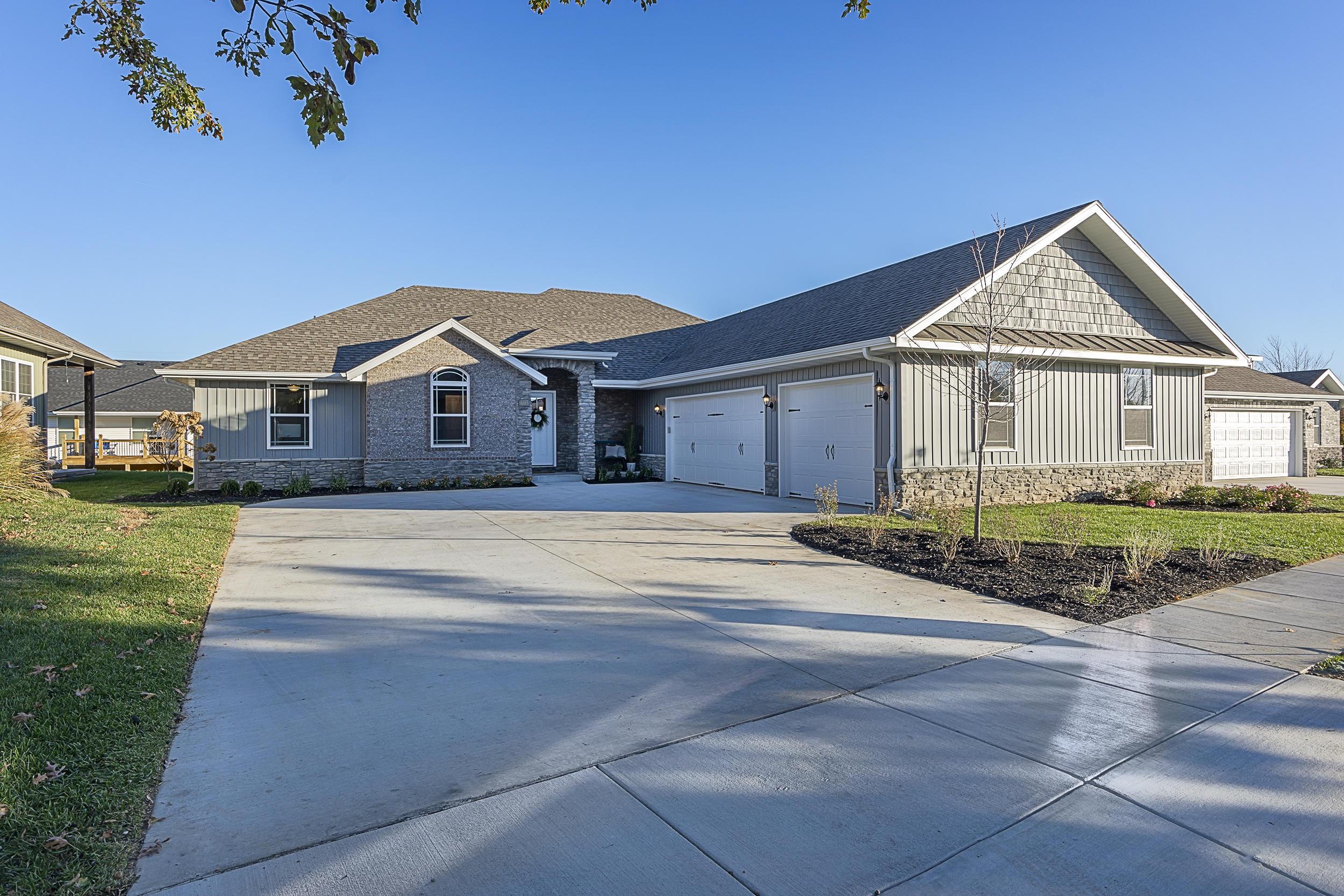 605 East Selby Drive Nixa, MO 65714