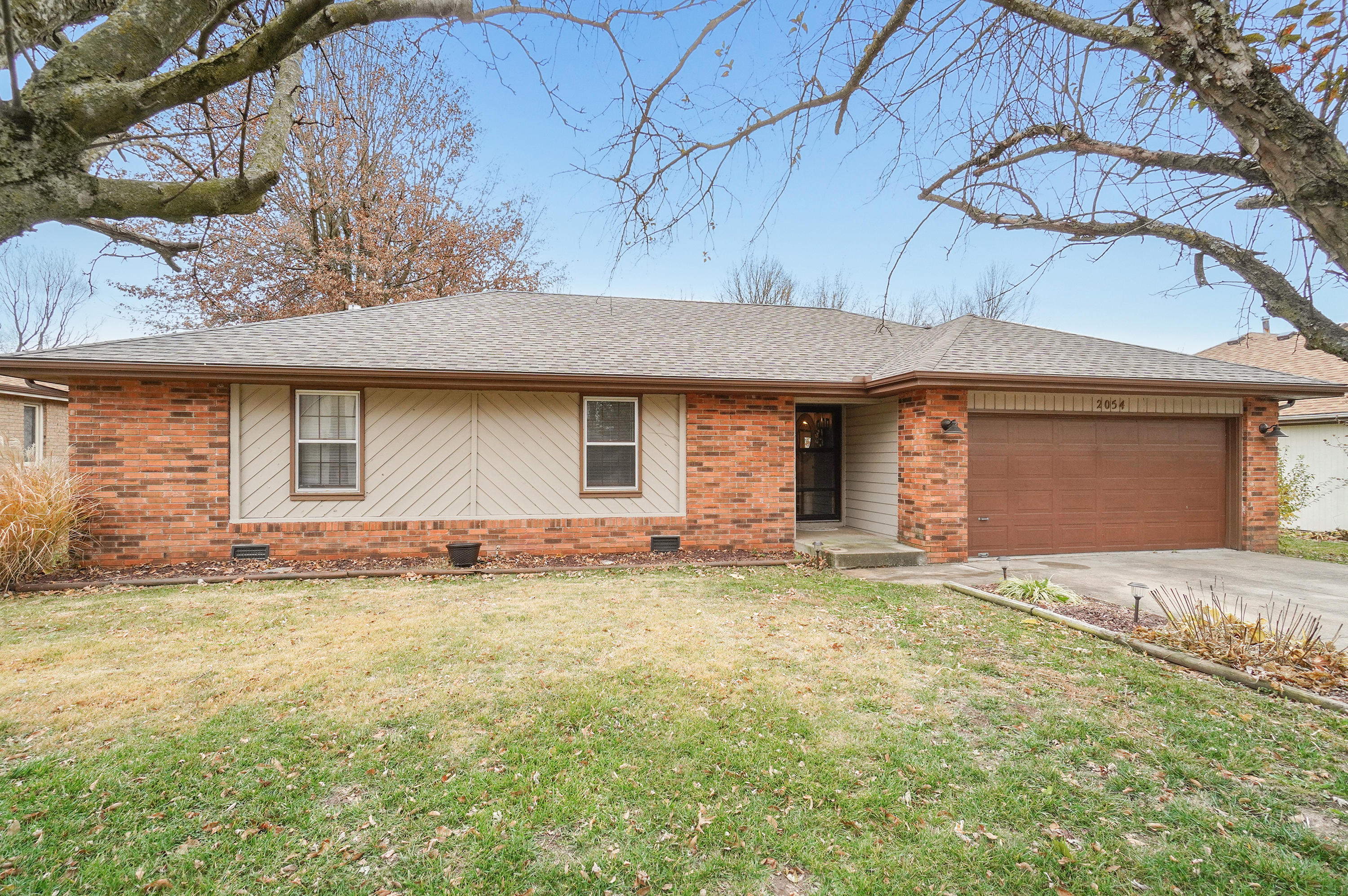 2054 South Butterfly Avenue Springfield, MO 65807