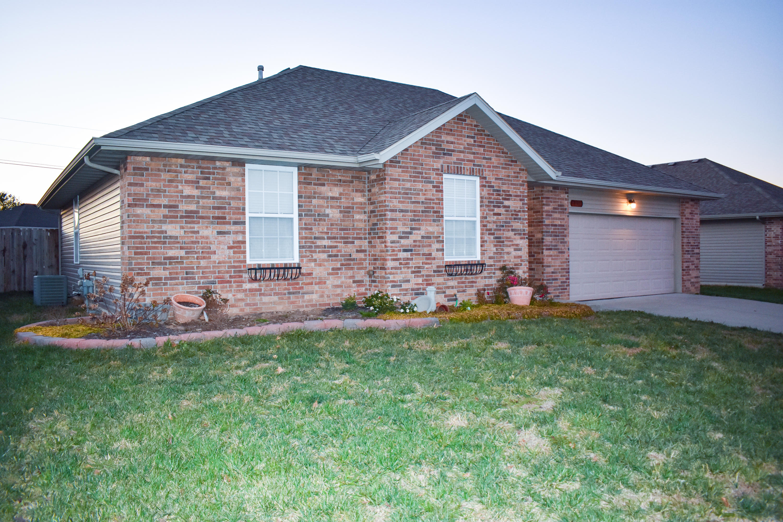 4101 Mead Drive, Ozark, 65721, 3 Bedrooms Bedrooms, ,2 BathroomsBathrooms,Residential,For Sale,Mead,60178880