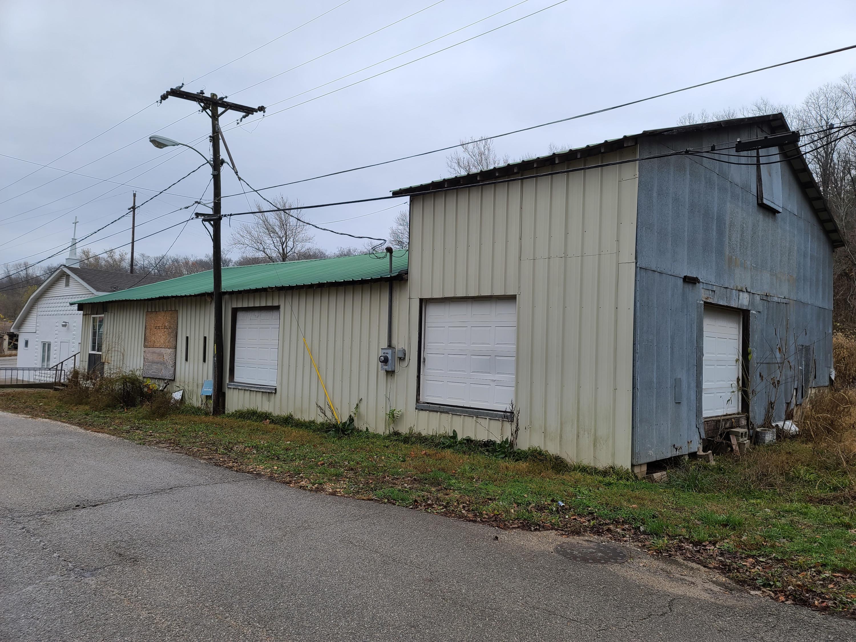 91 Spring Street Reeds Spring, MO 65737