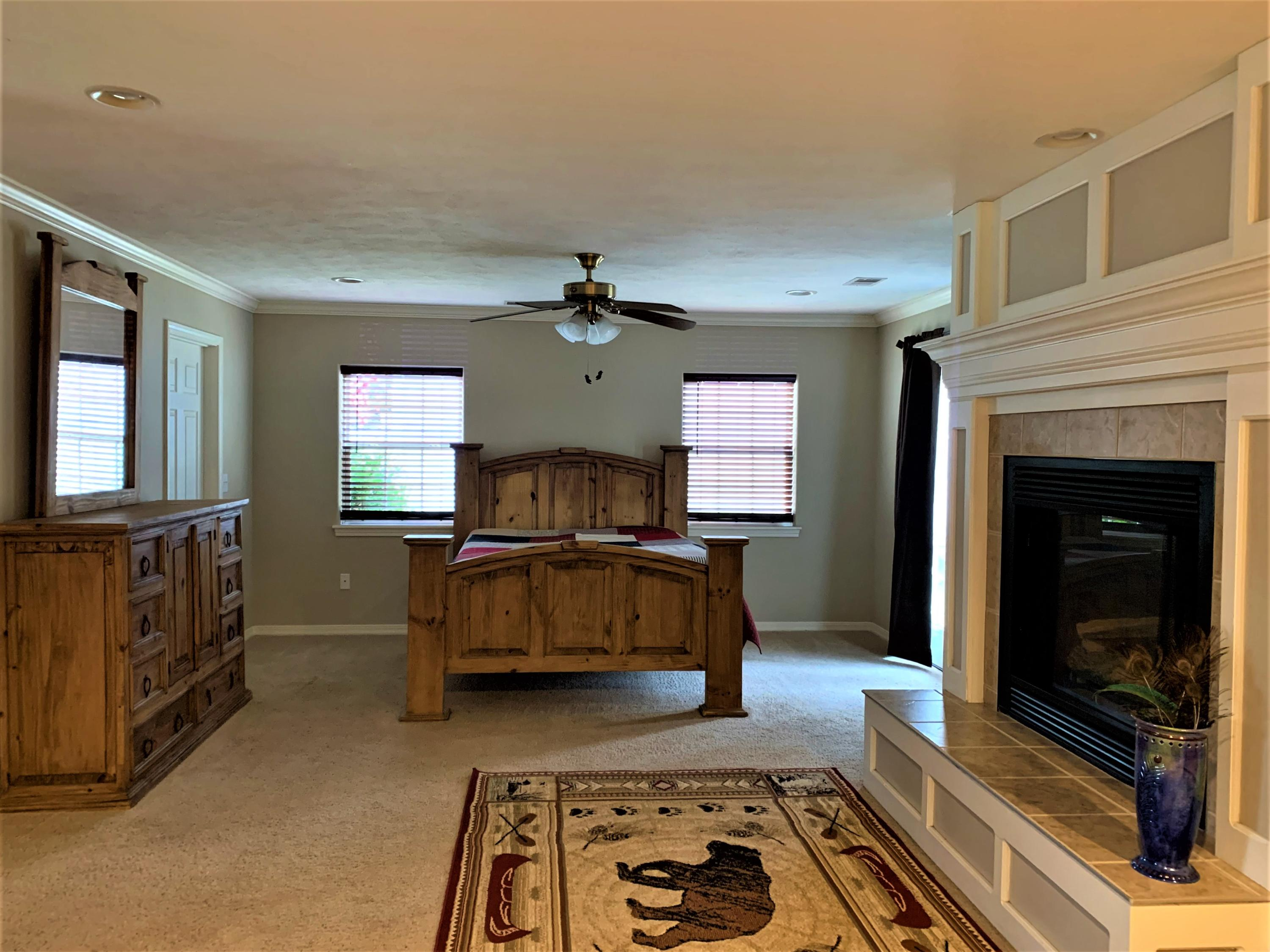 245 River Point Road Hollister, MO 65672
