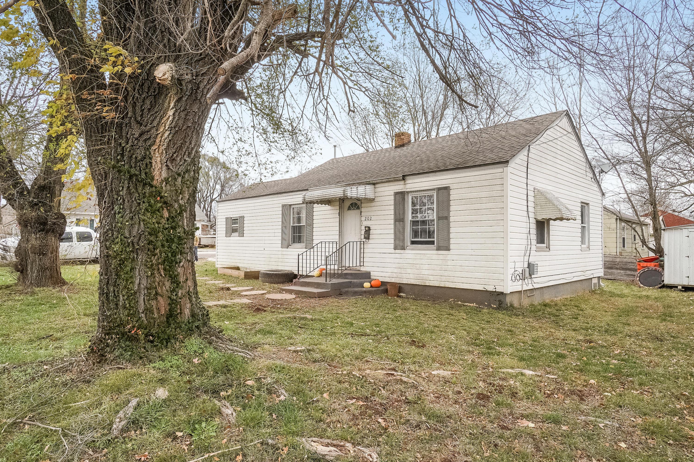 202 South Scenic Avenue Springfield, MO 65802