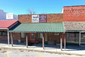 215 South Commercial Street, Seymour, MO 65746
