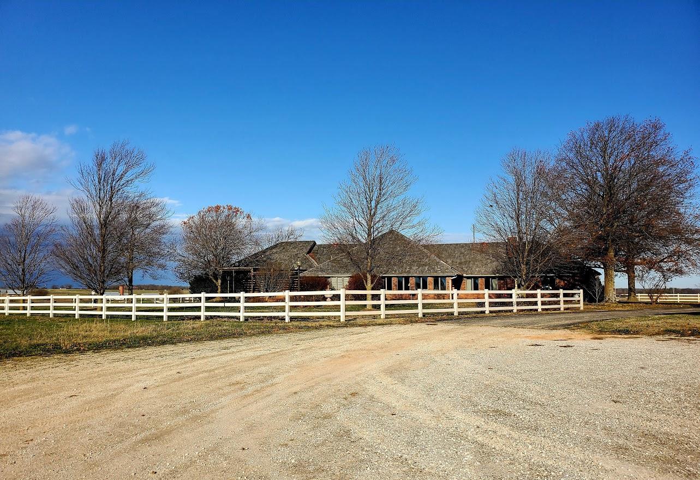 8263 Farm Road Purdy, MO 65734