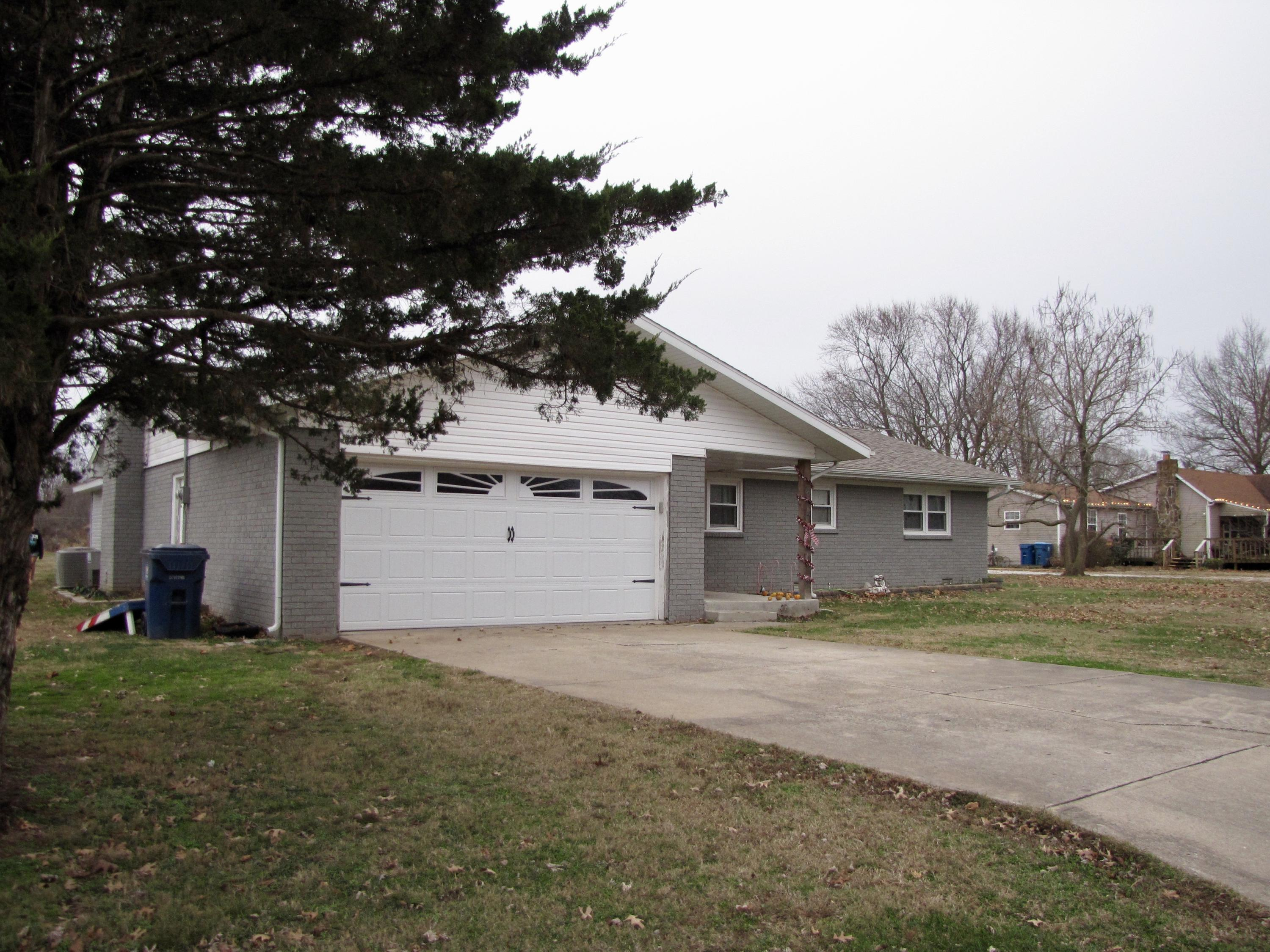 614 South Miller Road Willard, MO 65781