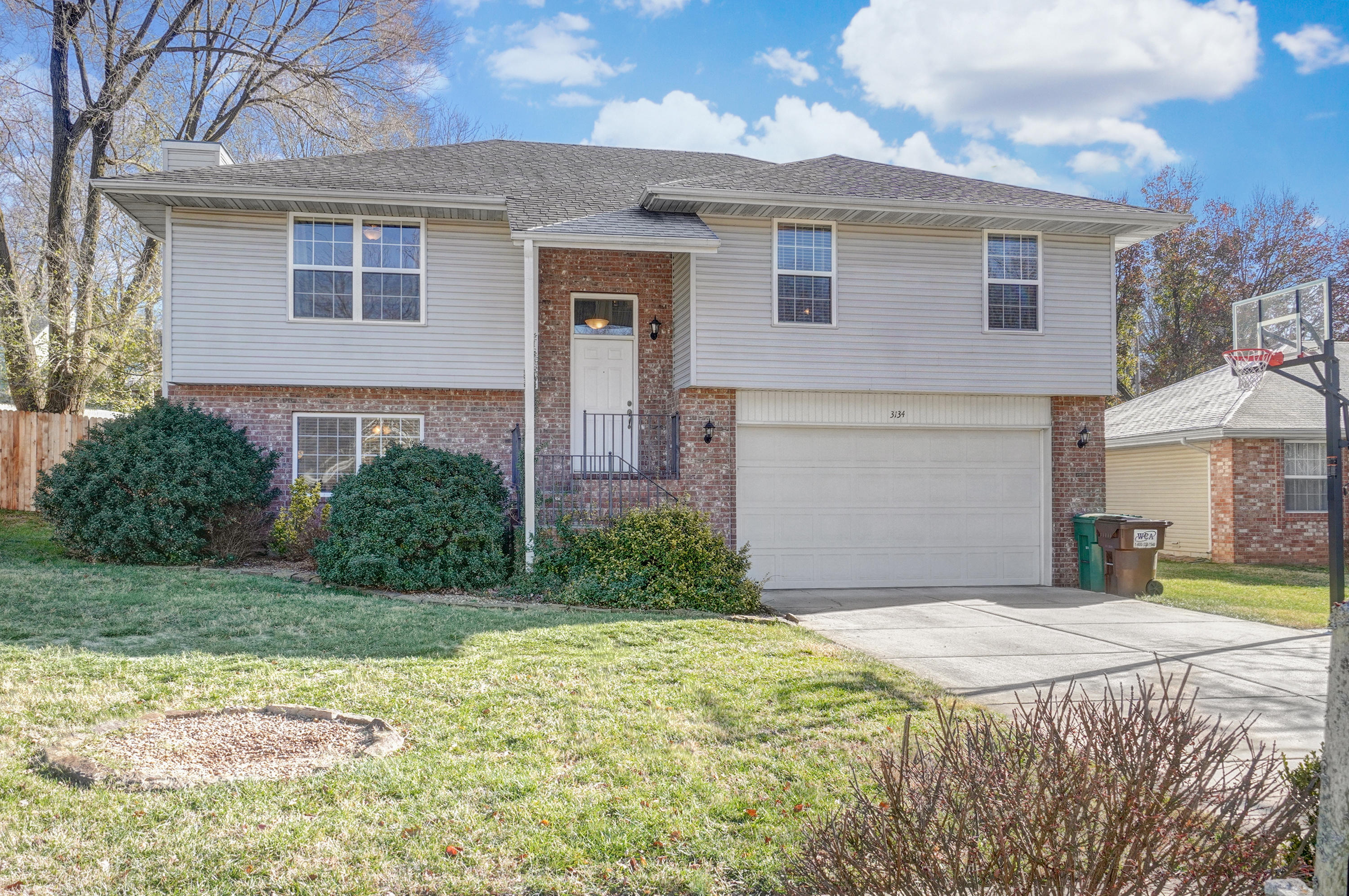 3134 South Lakeside Avenue Springfield, MO 65804
