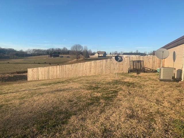 22 Robert E Lee Reeds Spring, MO 65737