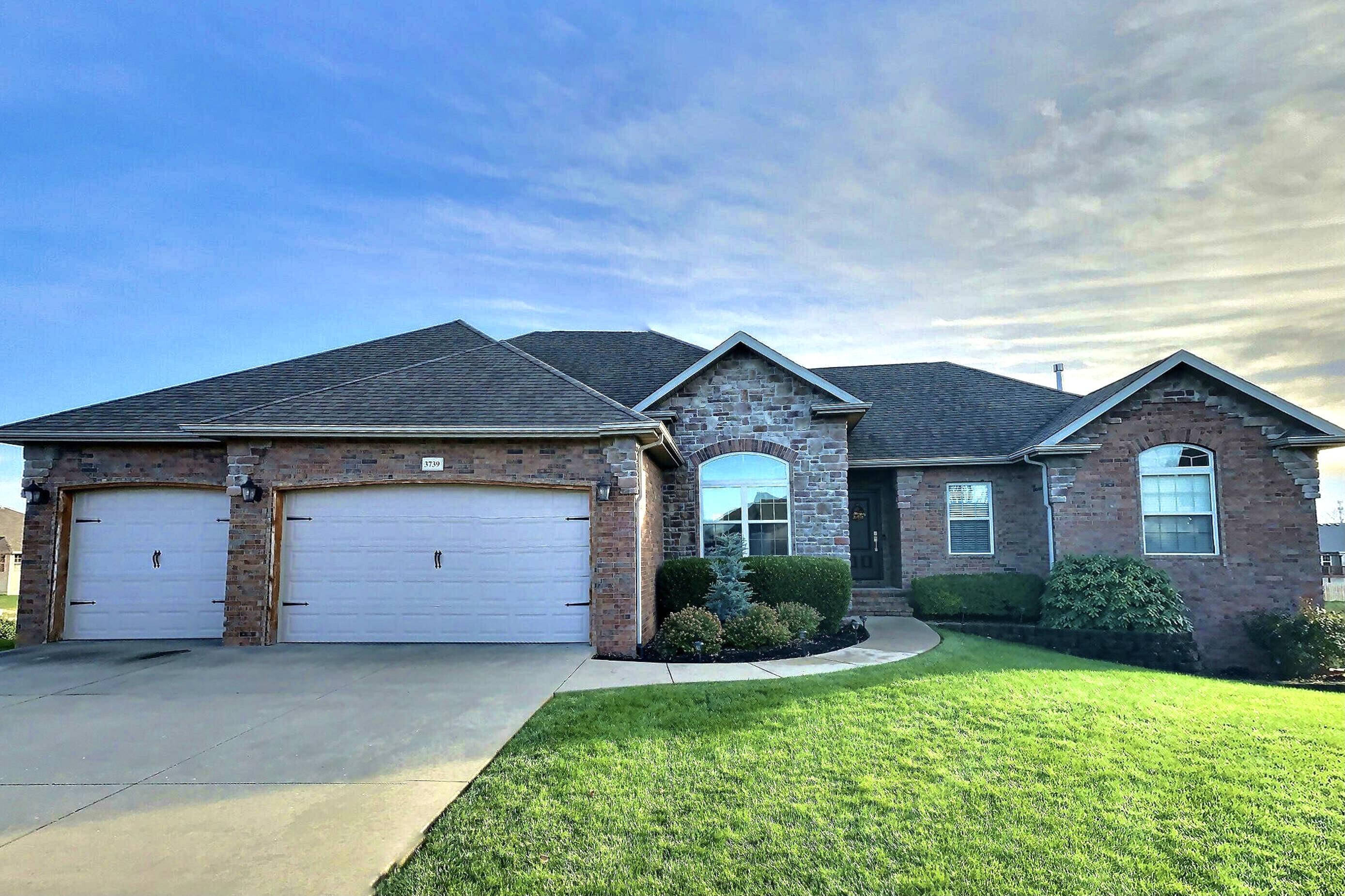 3739 North Meadowgate Court Springfield, MO 65803