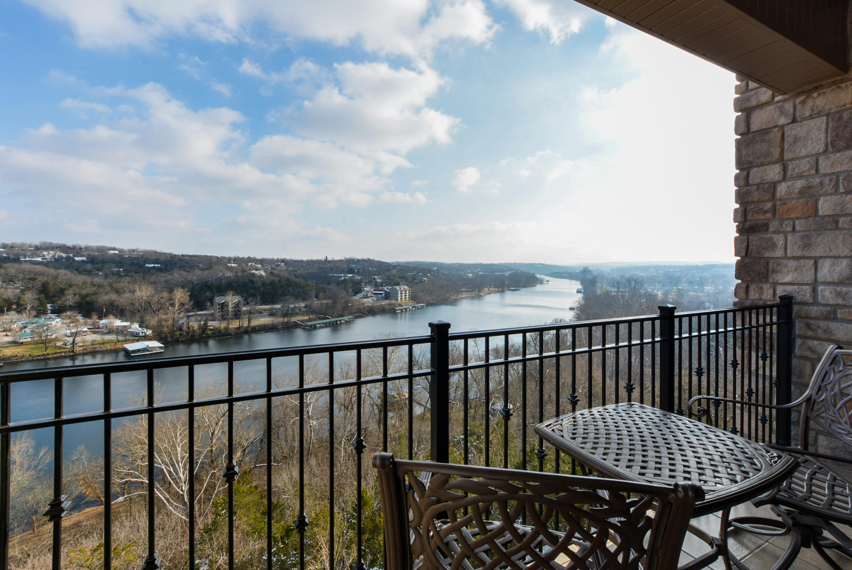 3309 Rivertstone Drive UNIT #9 Branson, MO 65616