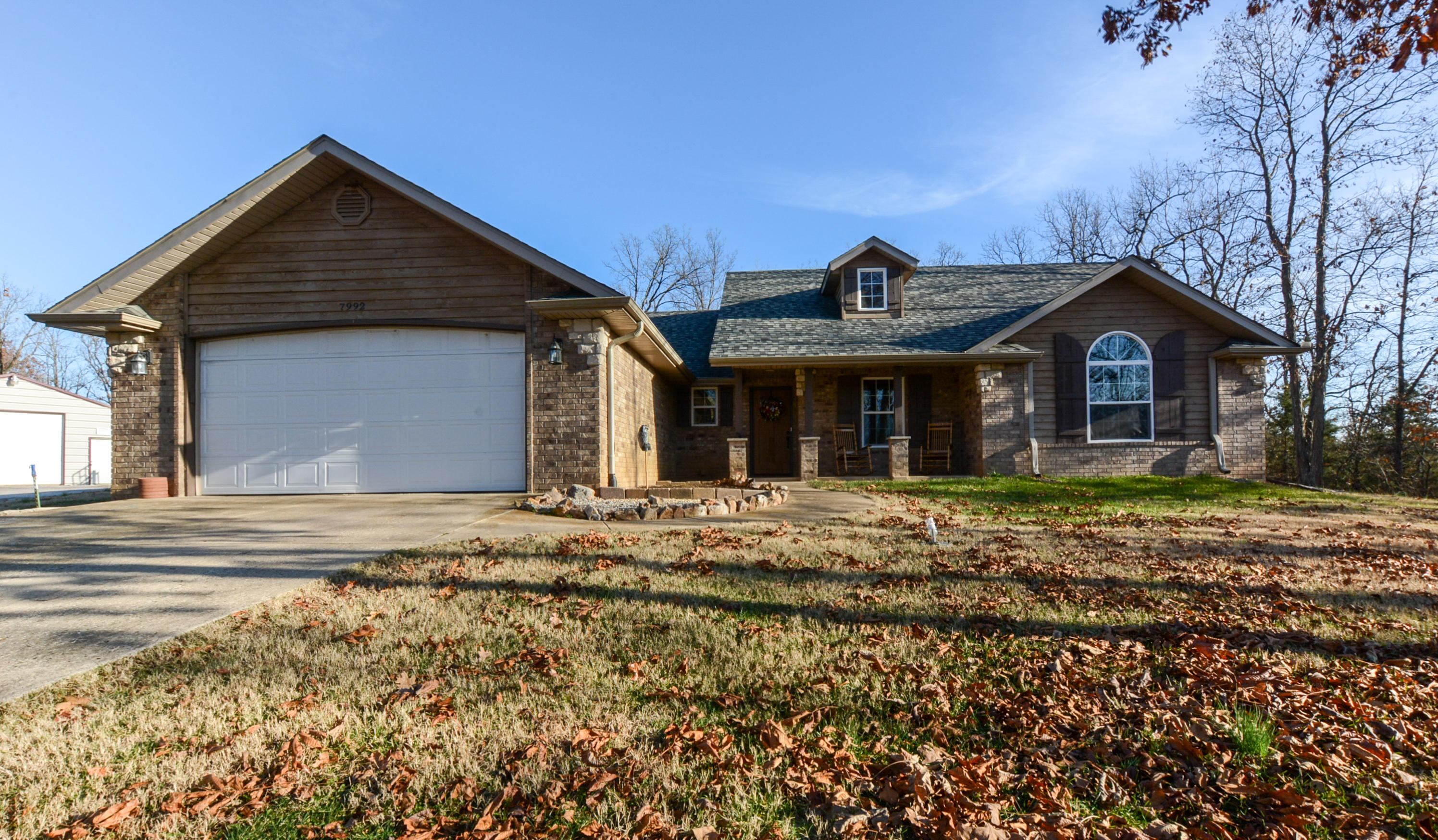 7992 North Quiet Oaks Lane Willard, MO 65781