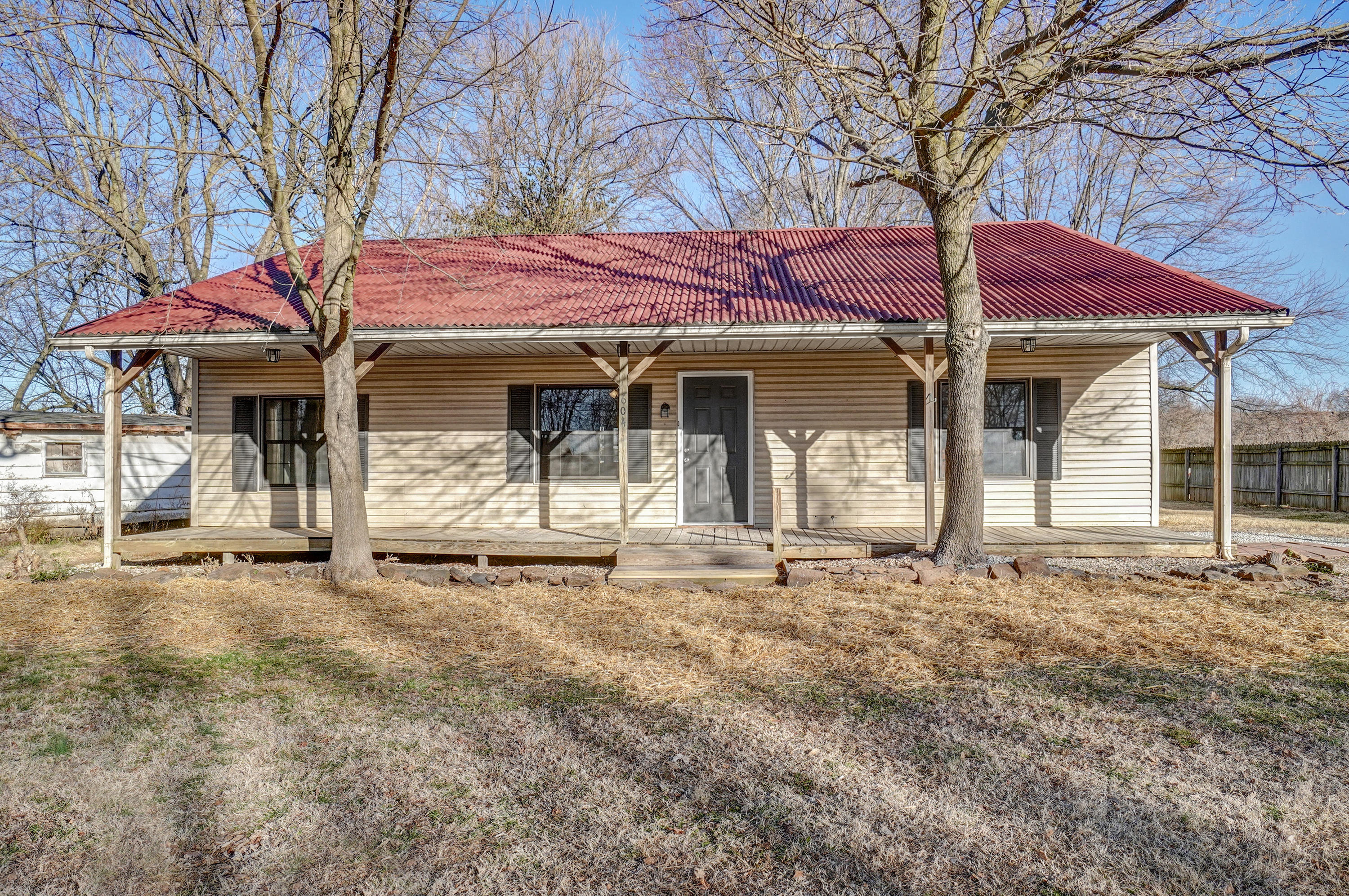 604 East Collier Street Marionville, MO 65705