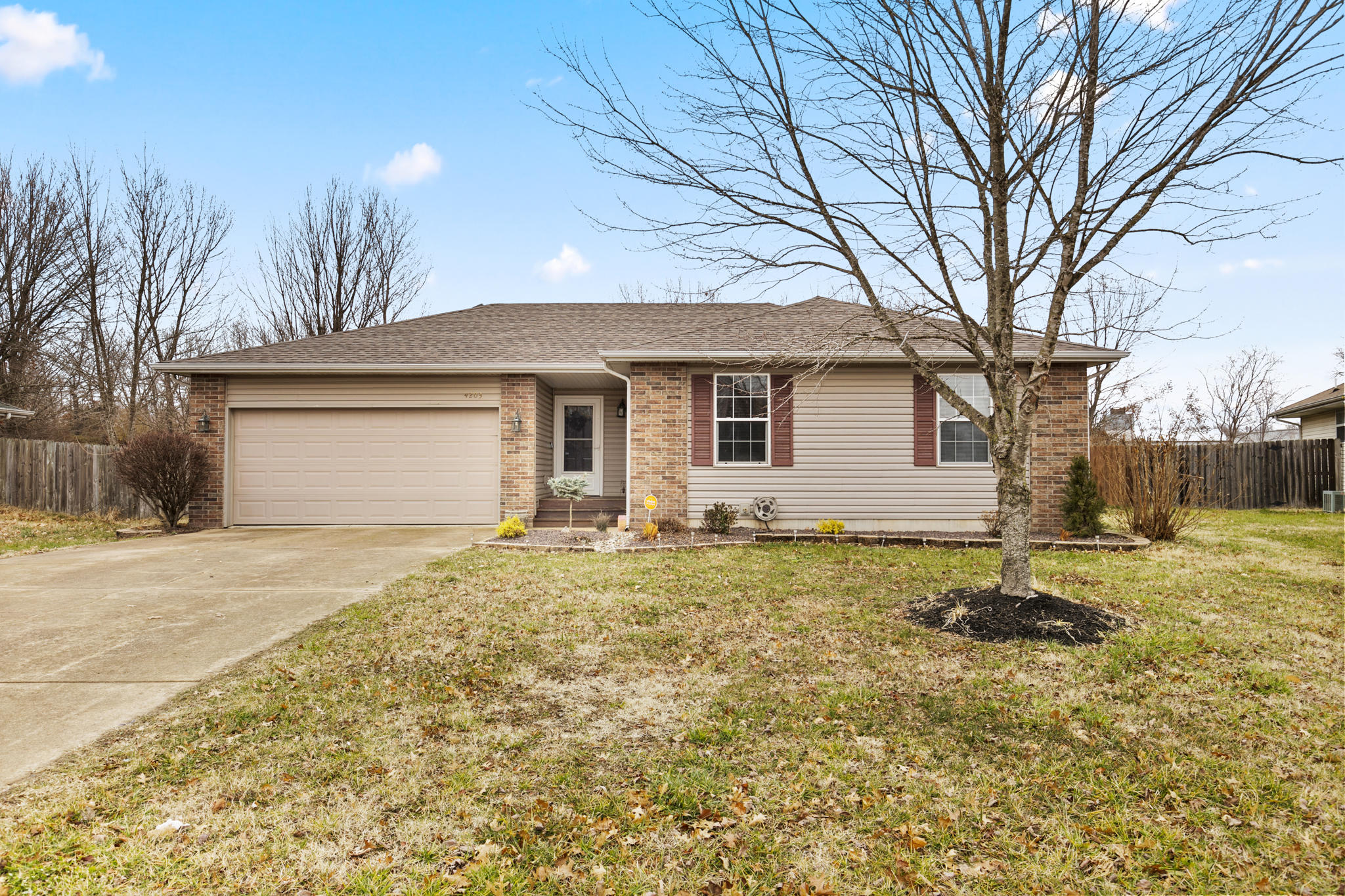 4203 West Somerset Drive Battlefield, MO 65619