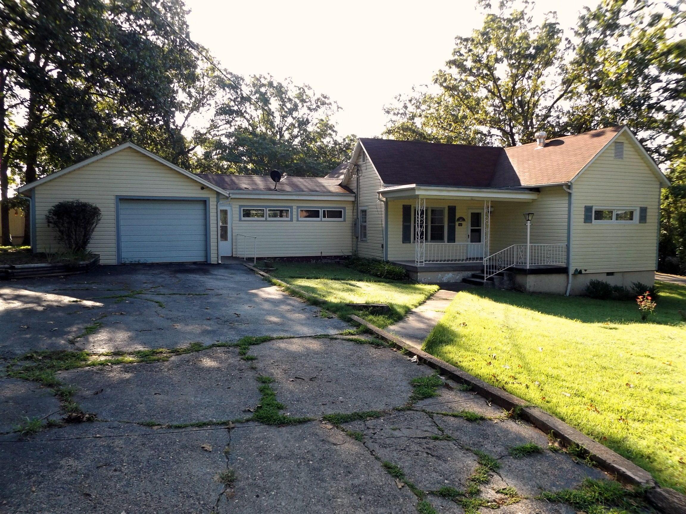 165 Lewis Street Forsyth, MO 65653