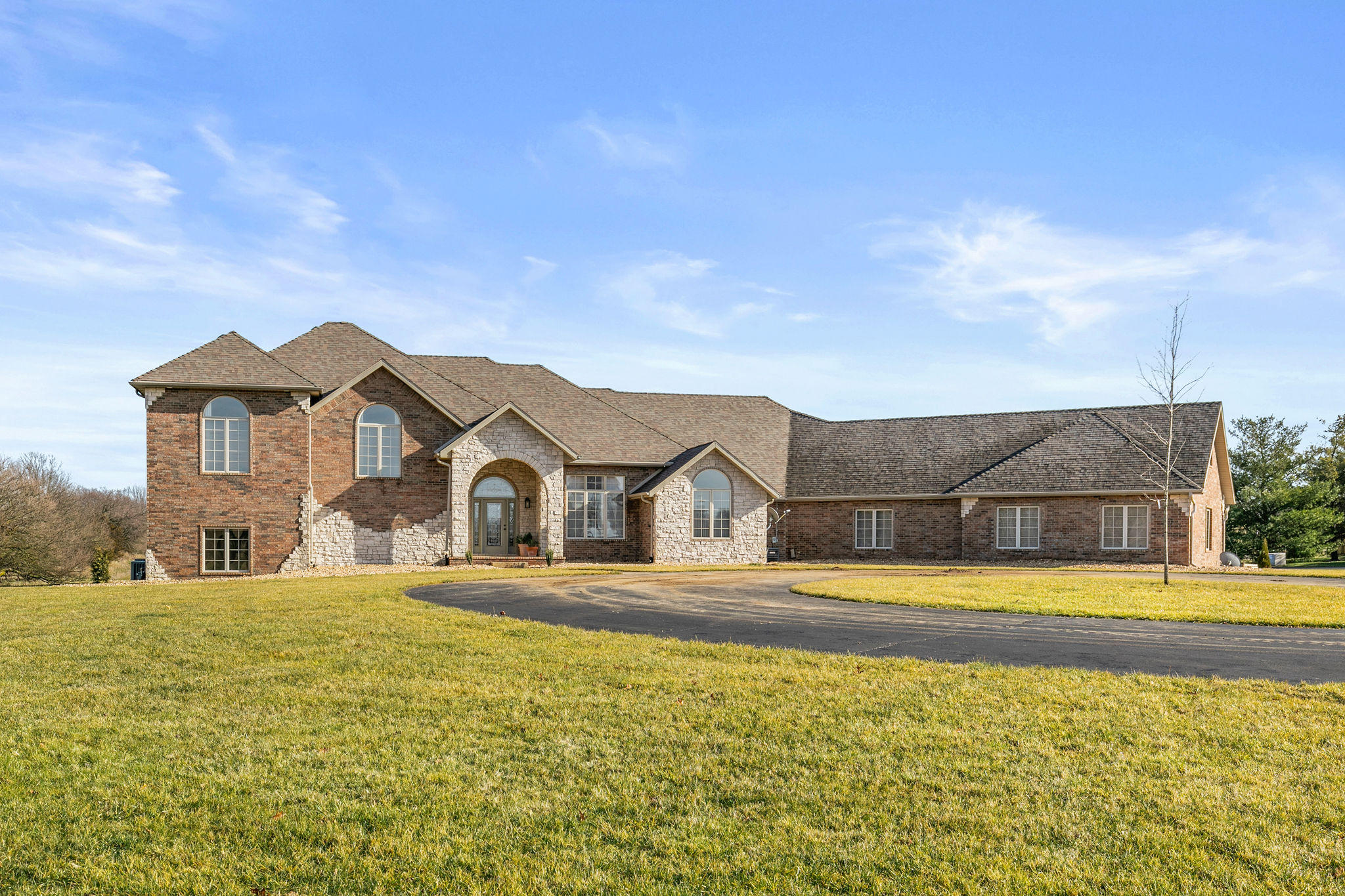 4562 South Farm Road Rogersville, MO 65742