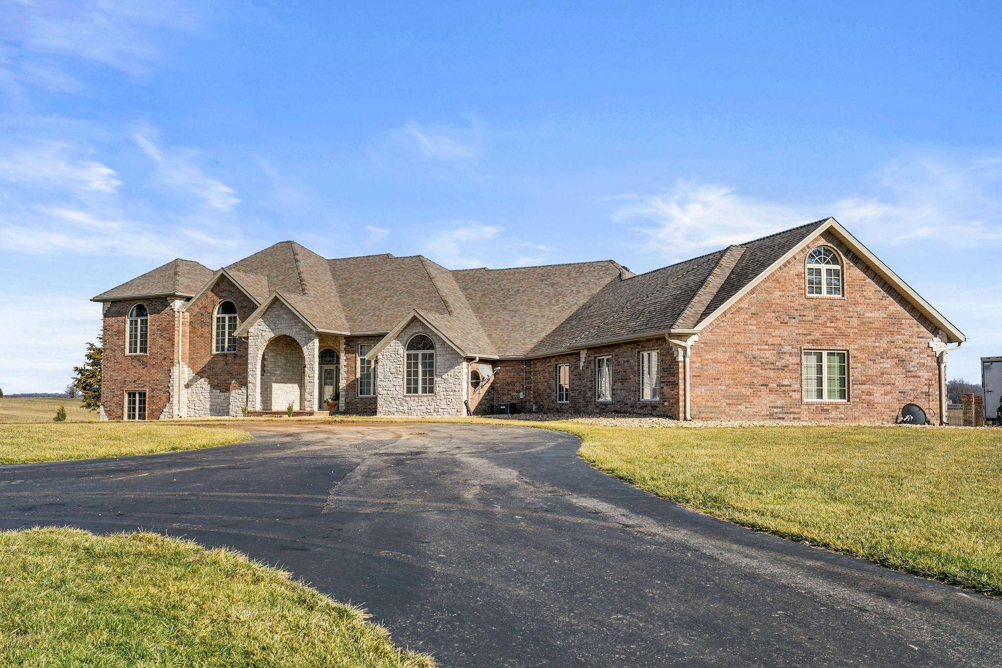 4562 South Farm Road Rogersville, MO 65742