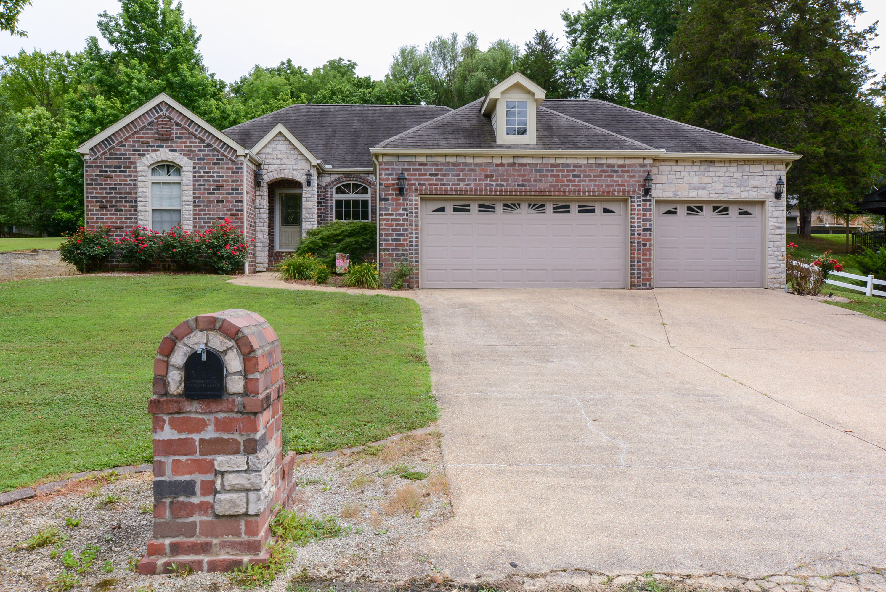 175 Foggy River Road Hollister, MO 65672