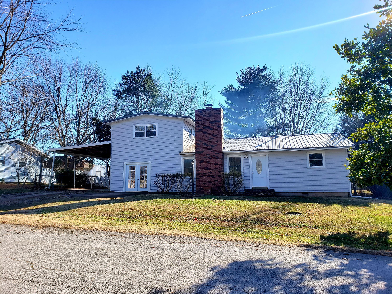 858 West Daniel Street Aurora, MO 65605