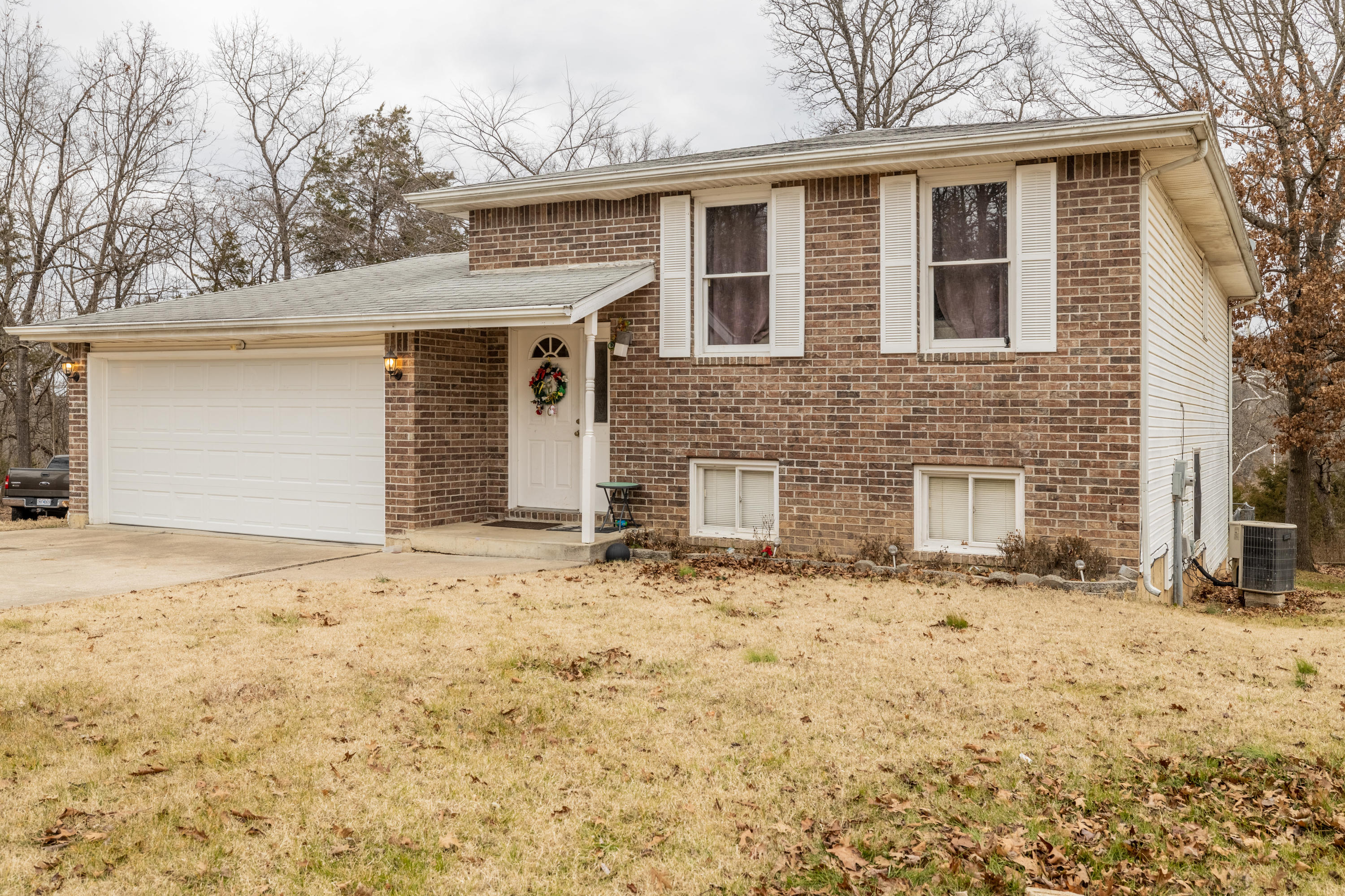 5010 Greenwood Drive Merriam Woods, MO 65740