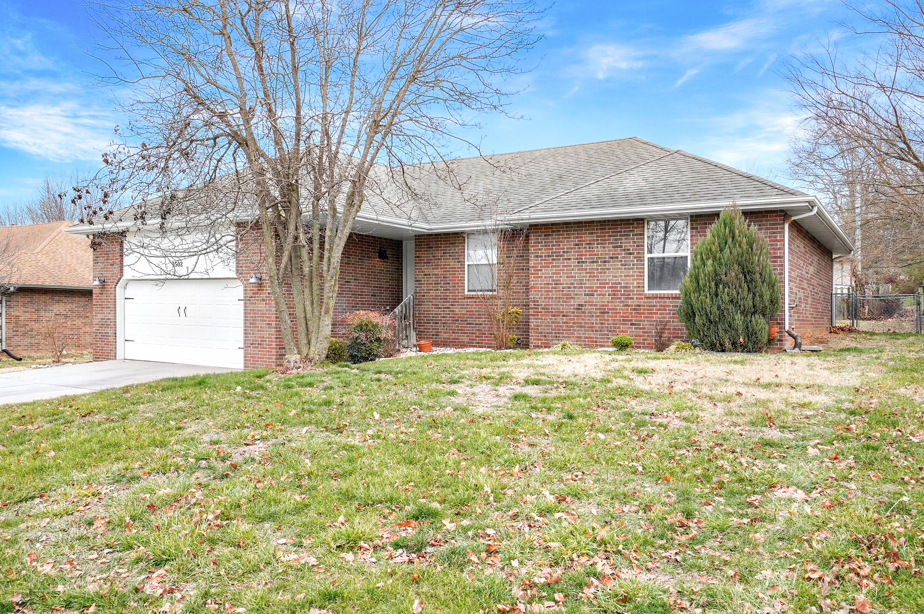 3502 South Sunrise Avenue Springfield, MO 65807