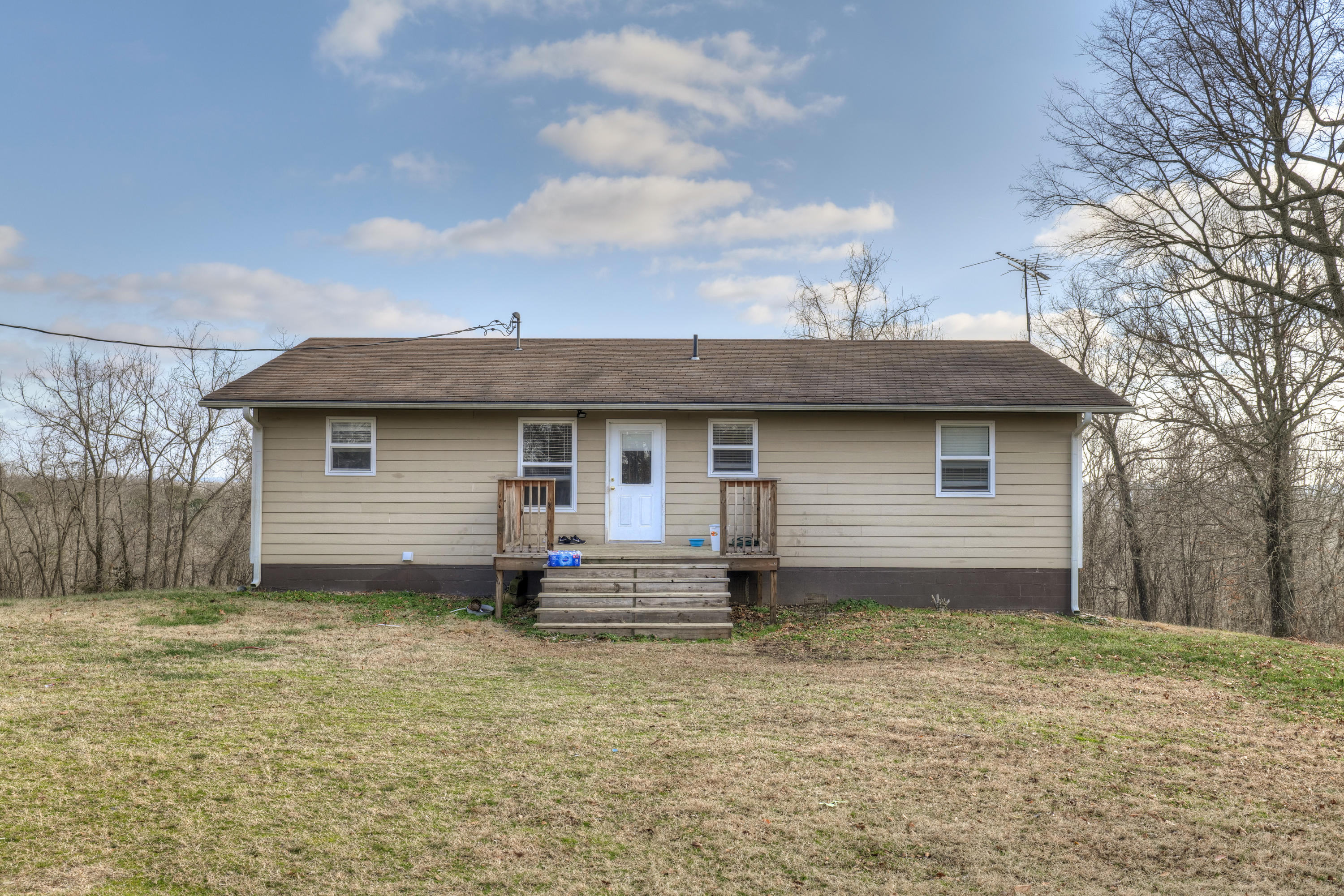 997 Schlessman Road Anderson, MO 64831